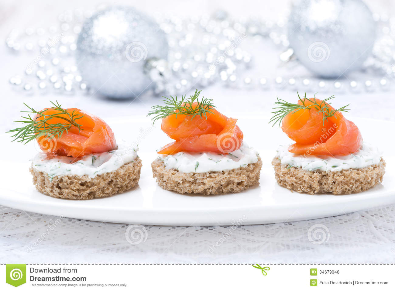 Canape with rye bread cream cheese salmon for christmas royalty free stock - Mousse seche pour canape ...