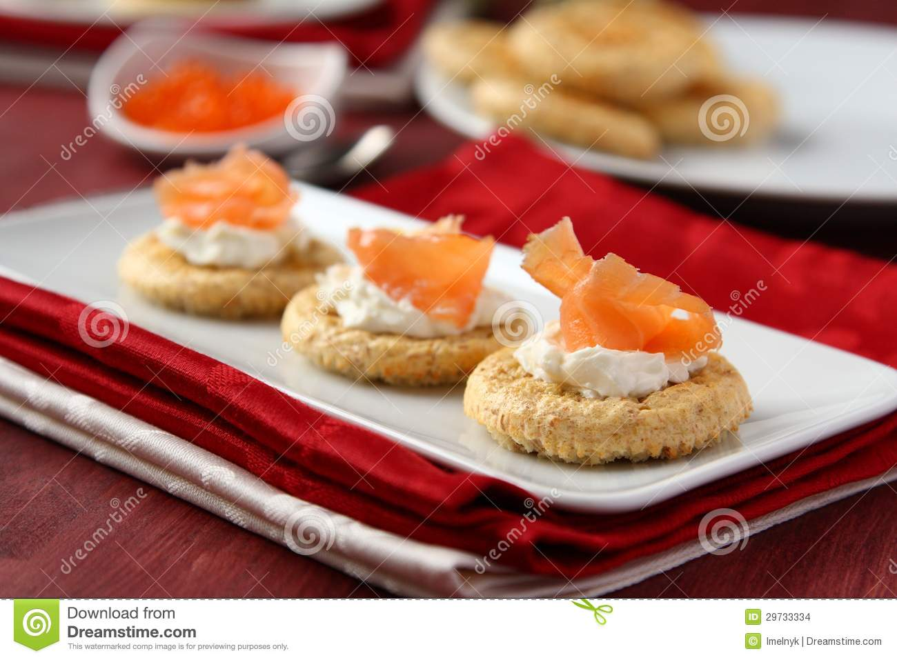 Canapes with oat bran cookies smoked salmon and cream for Cream cheese canape