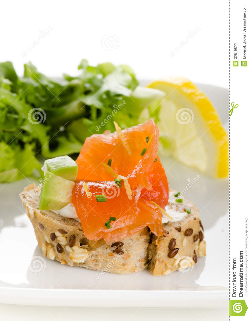 Canapes with smoked salmon cream cheese and avocado cubes for Smoked salmon cream cheese canape