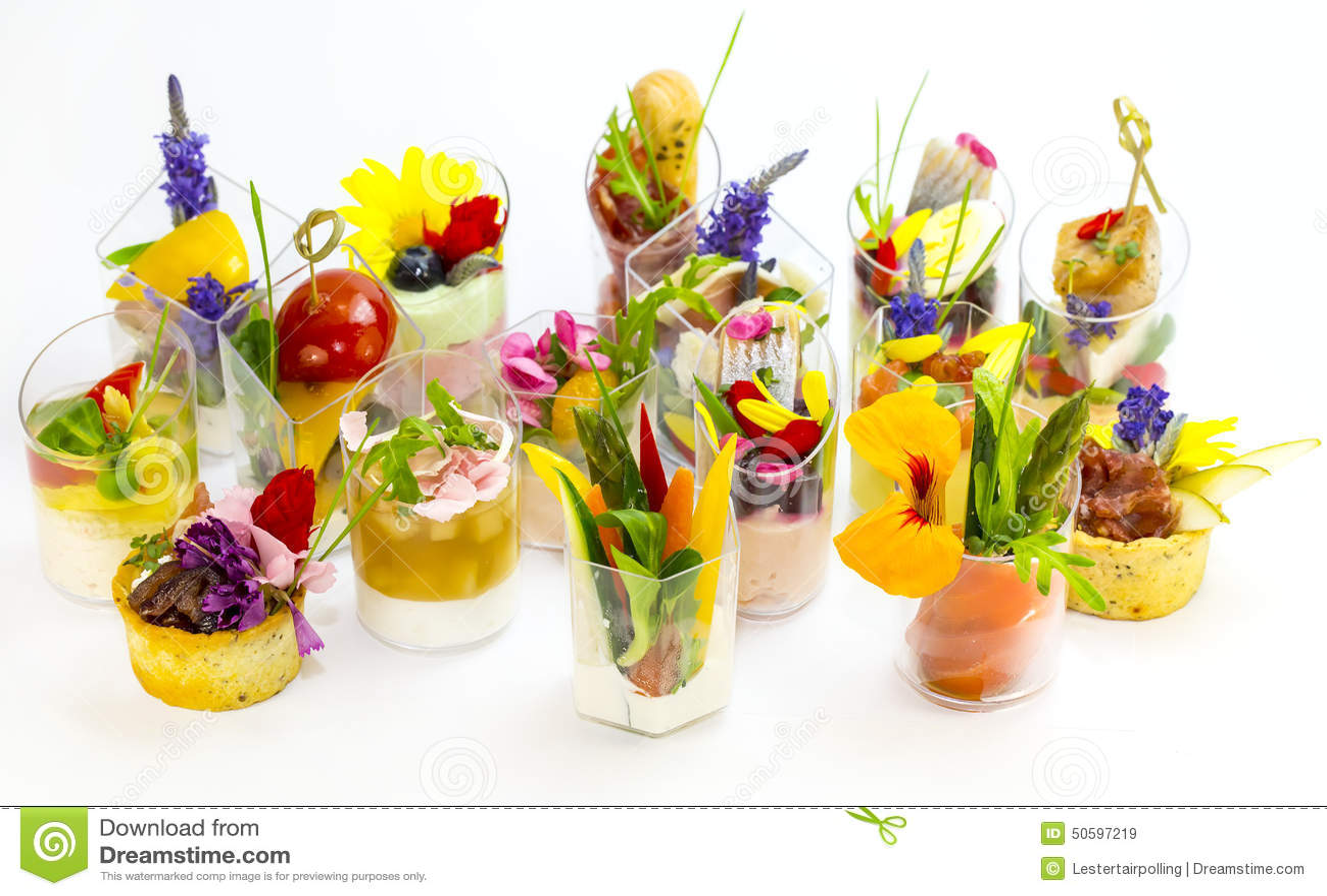 canaps avec les fleurs comestibles photo stock image 50597219. Black Bedroom Furniture Sets. Home Design Ideas