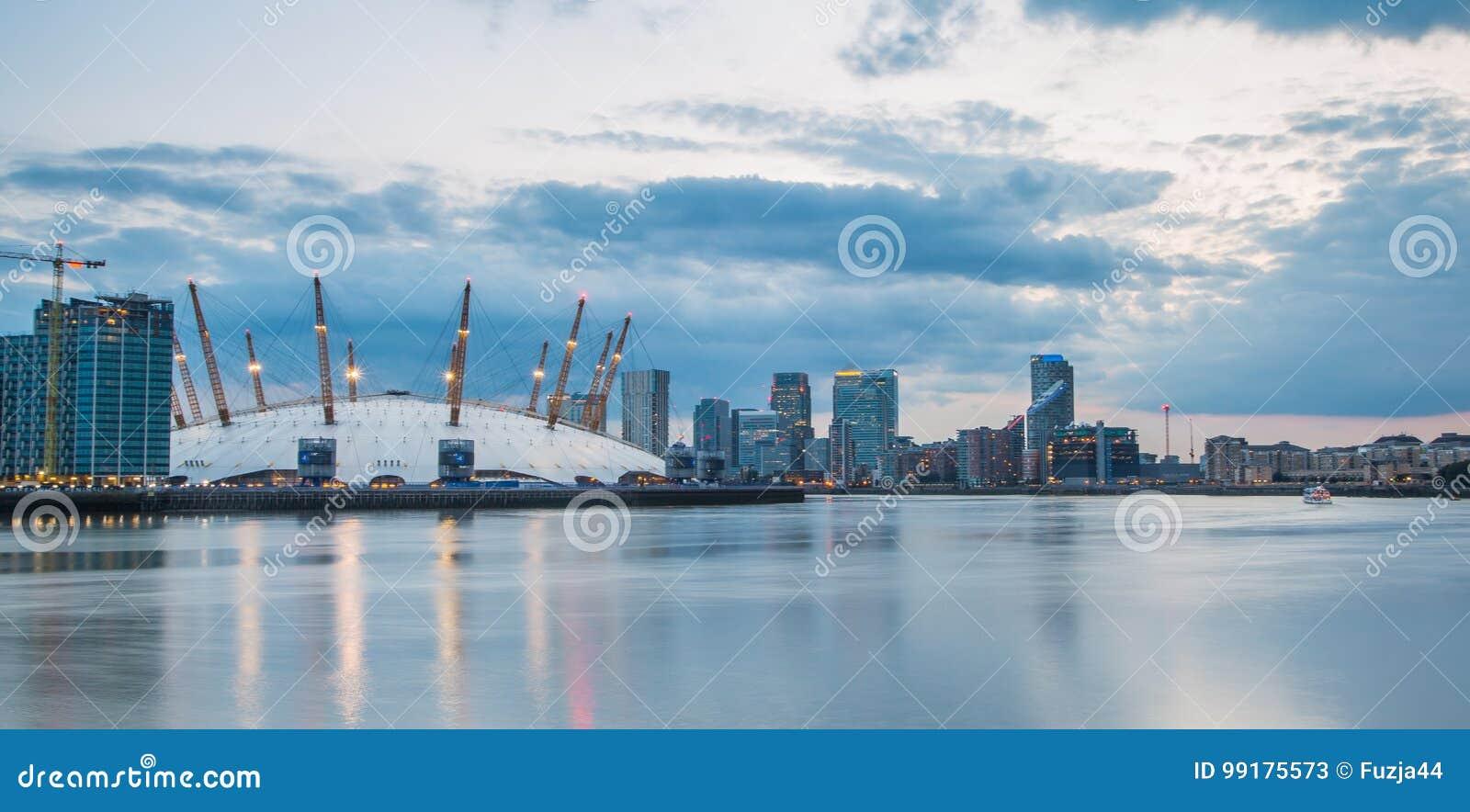 London city o2 arena skyline panorama