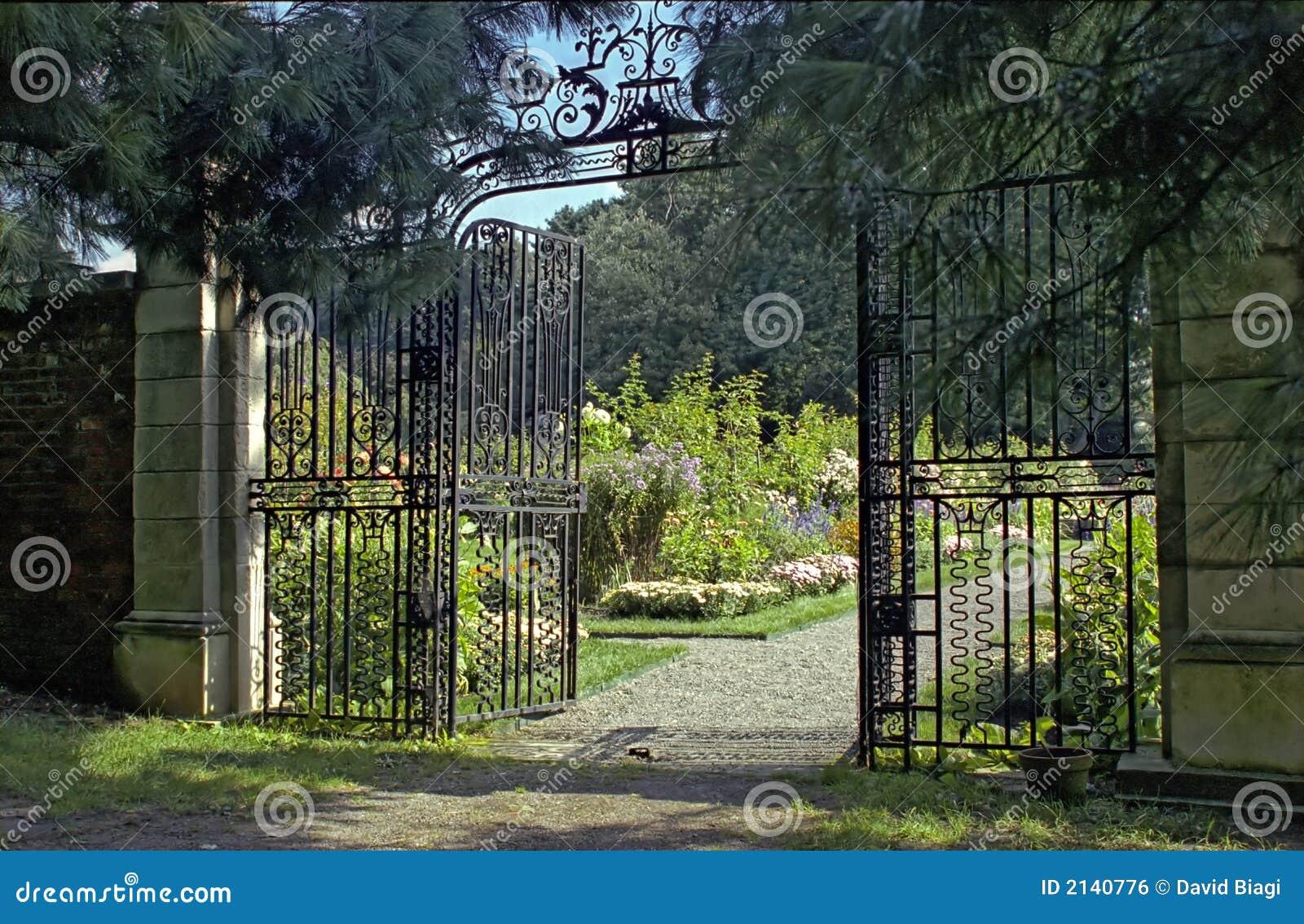 cancelli di giardino fotografia stock immagine di storico