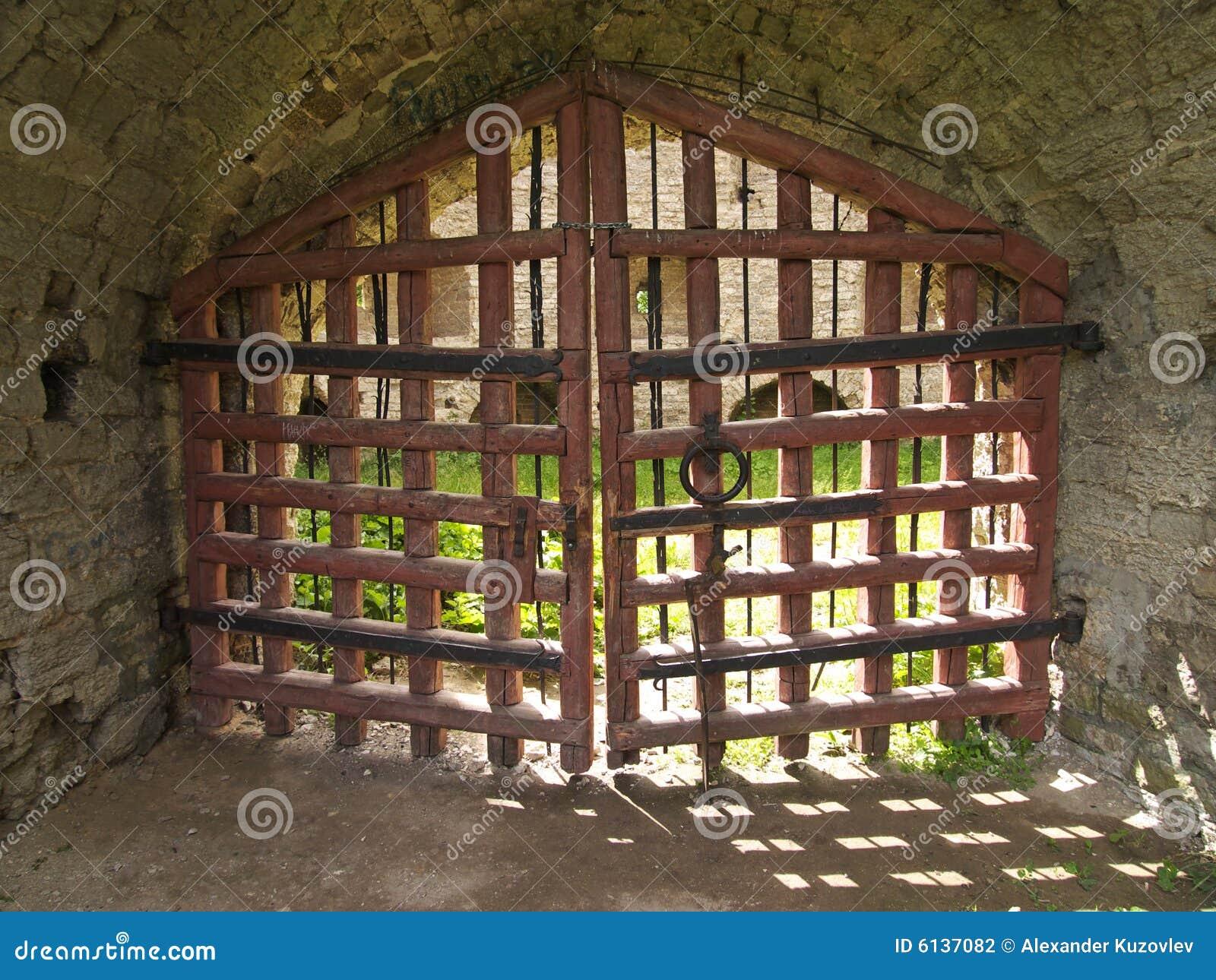 cancelli di legno griglia di legno in castello di pskov russia griglia ...