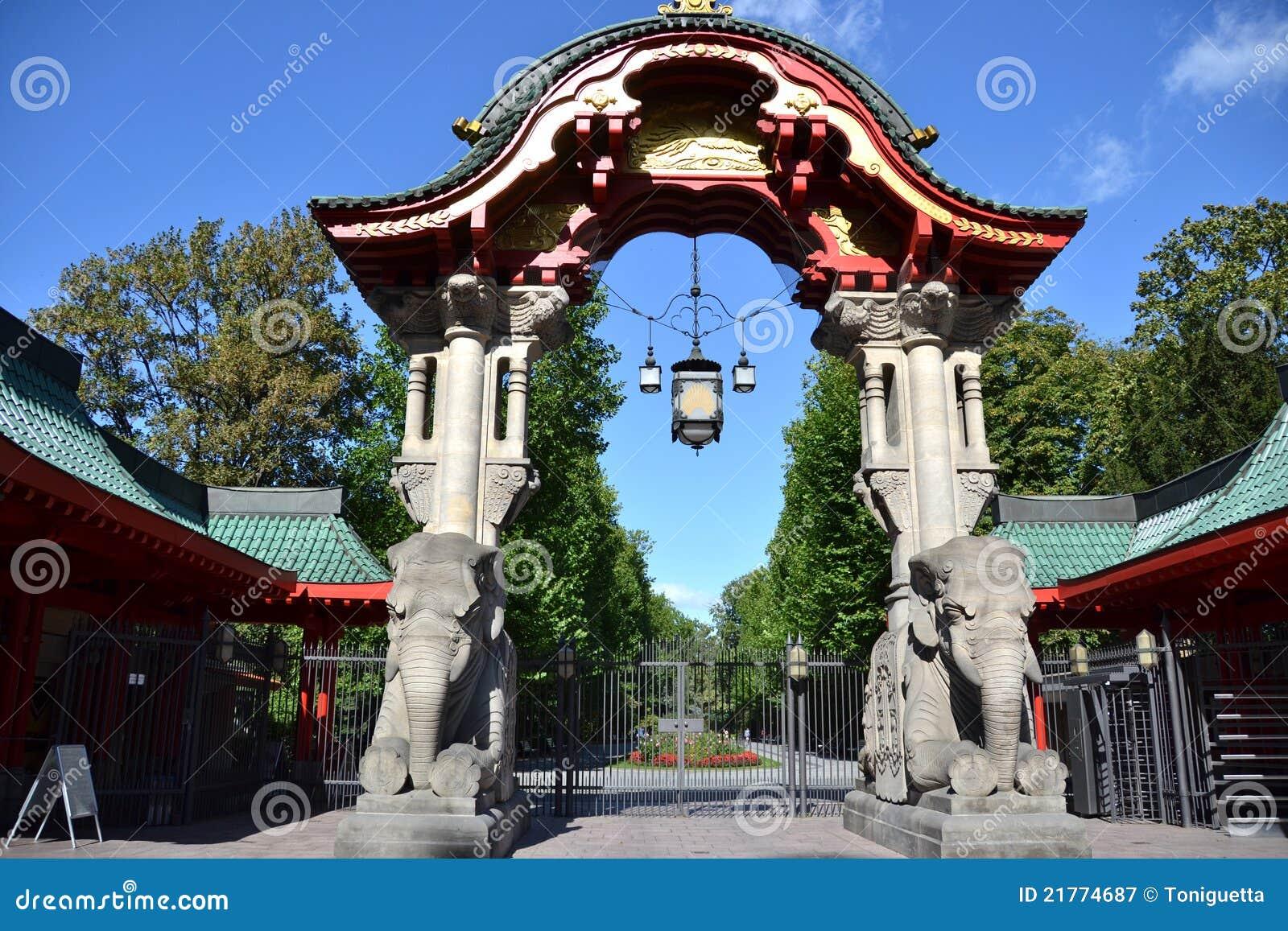 cancello del giardino zoologico di berlino immagine stock