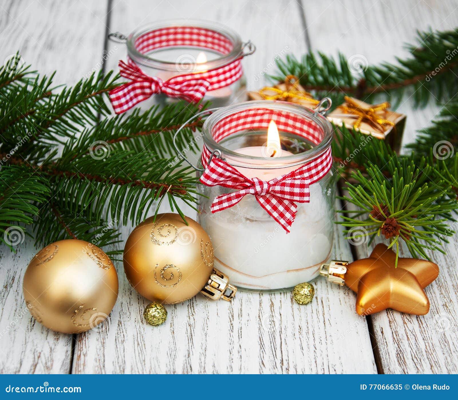 Candele delle decorazioni di natale in barattoli di vetro - Decorazioni natalizie in vetro ...