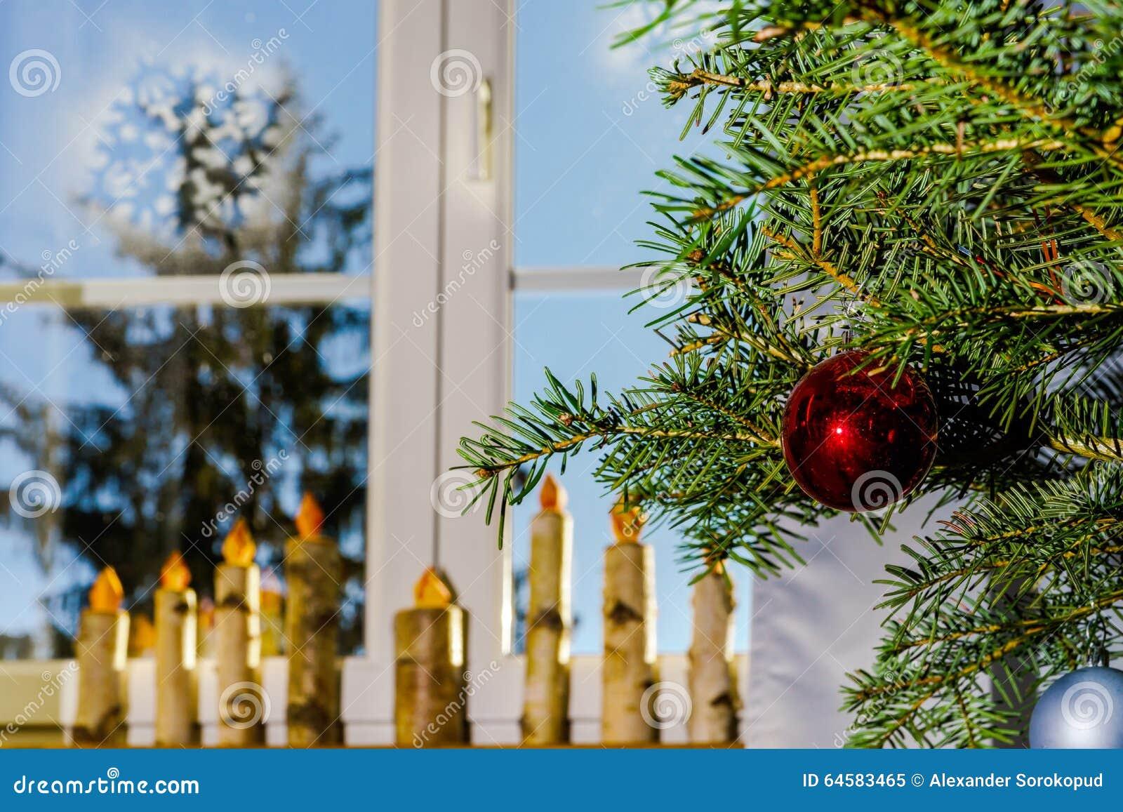 Decorare Candele Di Natale : Candele di legno fatte a mano come decorazione di natale della