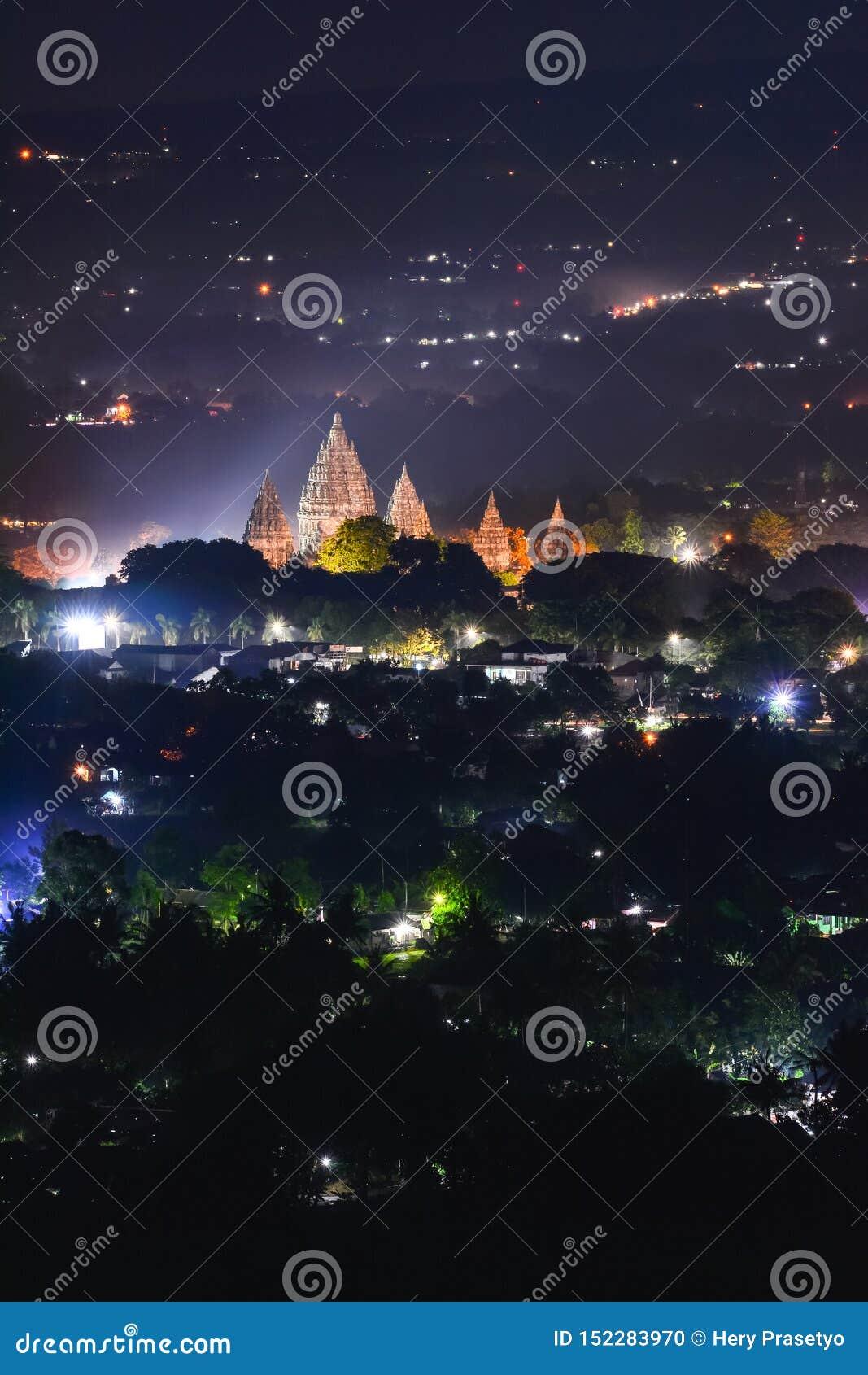 Candi Prambanan es el templo hindú más grande de Indonesia