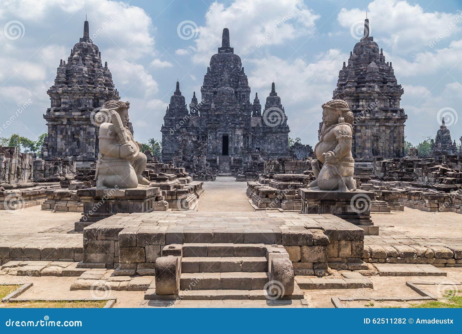 Candi Sewu, pieza del templo hindú de Prambanan, Indonesia