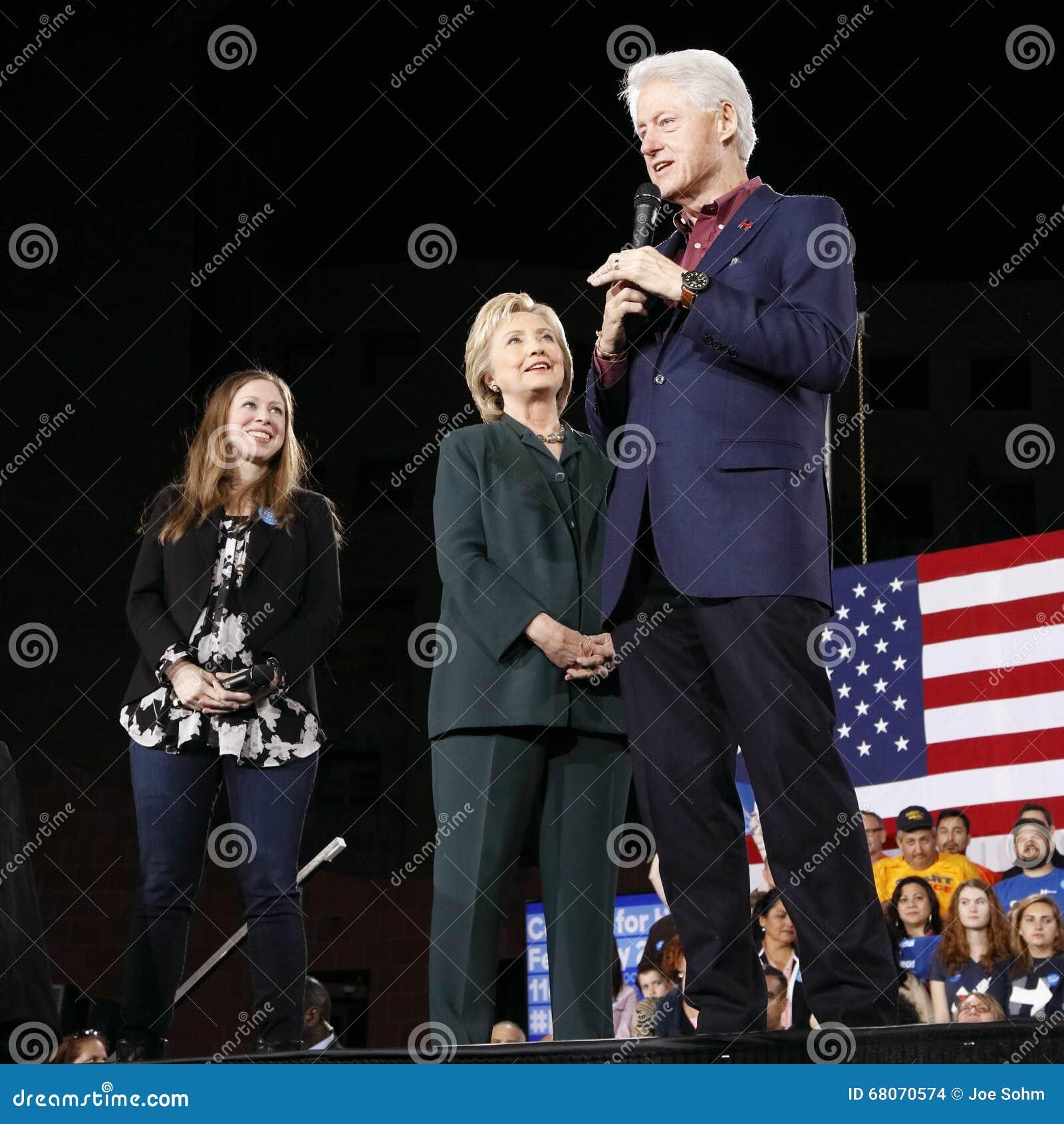 Candidato demócrata a la presidencia Hillary Clinton Campaigns In Las Vegas, Nevada