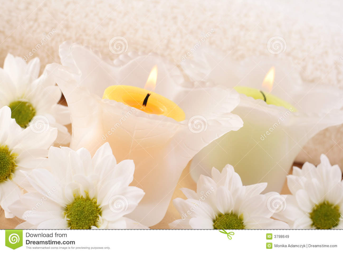 Relaxing aromatherapy candle