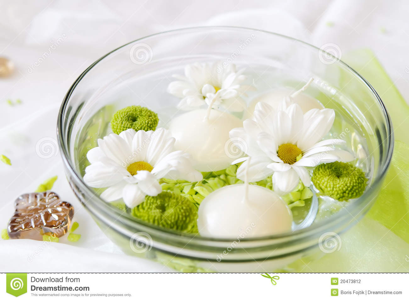 Candles And Flowers In Water Stock Photography - Image ...