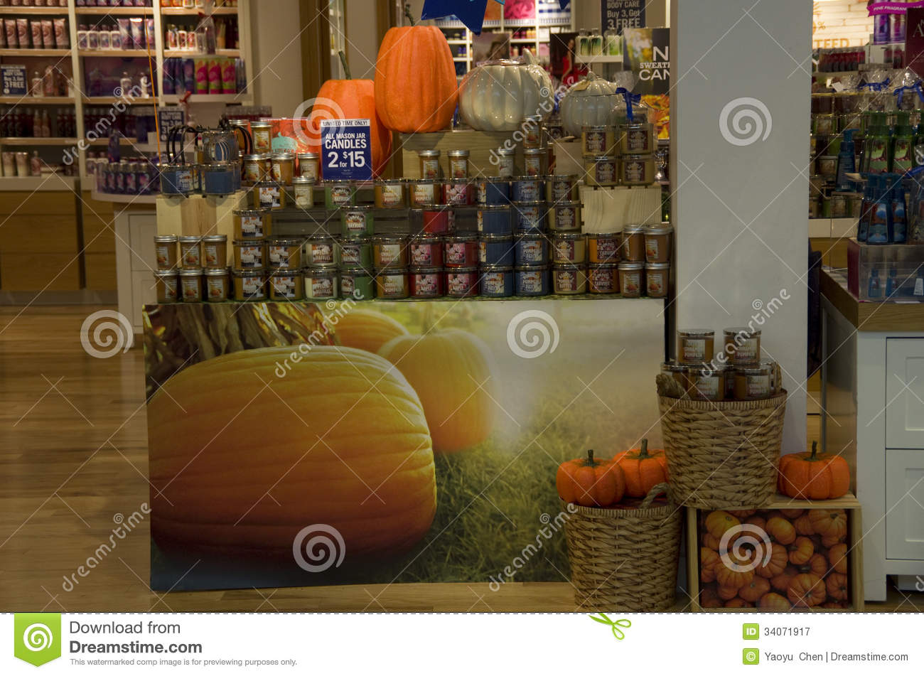 Home decorations in decorations store editorial image - Candele decorative ikea ...