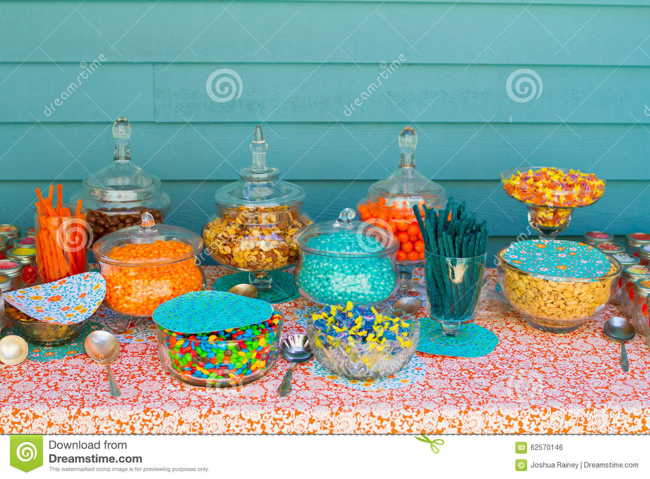 treatmesweetcandybuffets wedding candy bar Candy Buffet Wedding Candy Bar