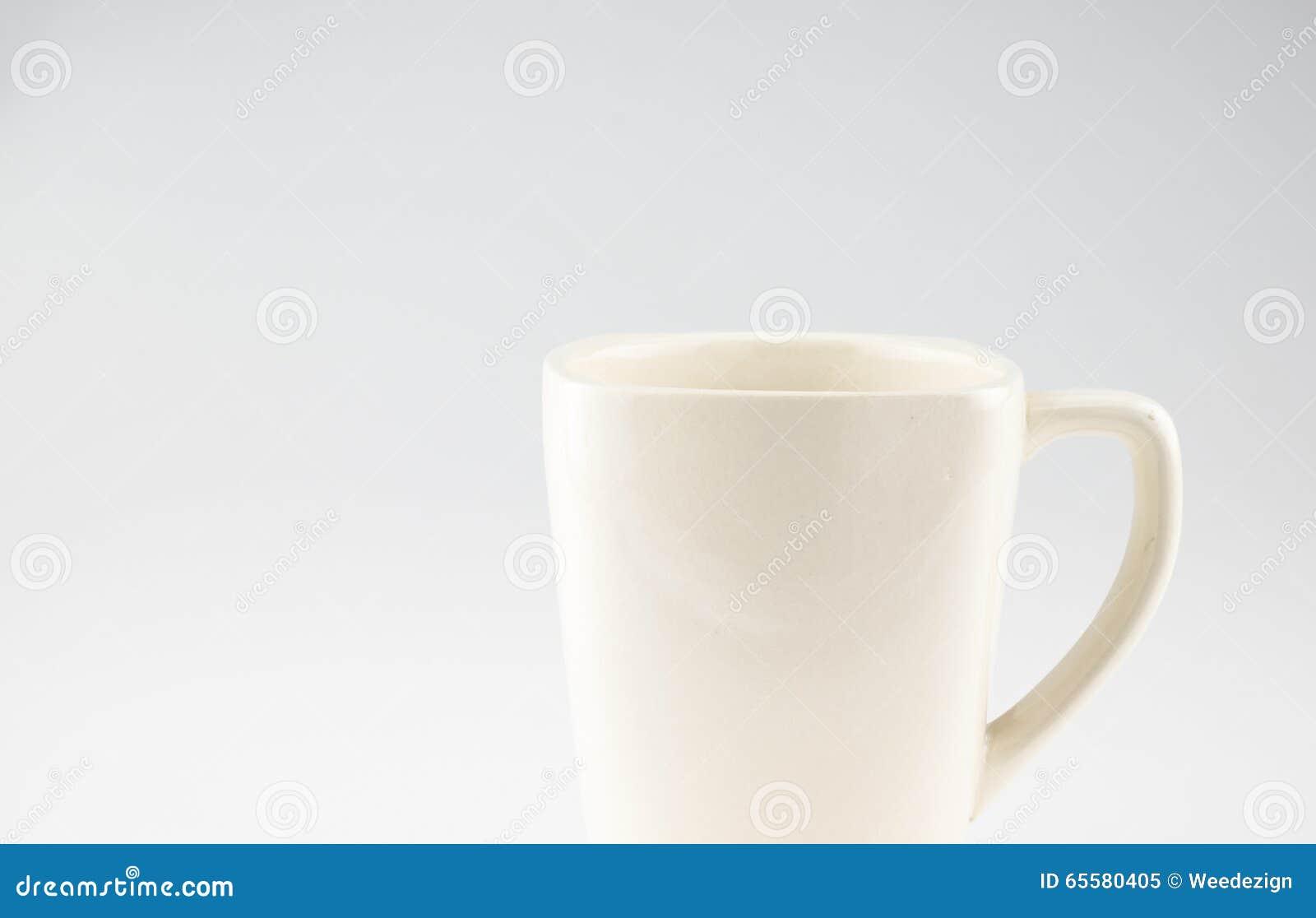 Caneca de café no fundo cinzento, espaço da licença para adicionar o texto
