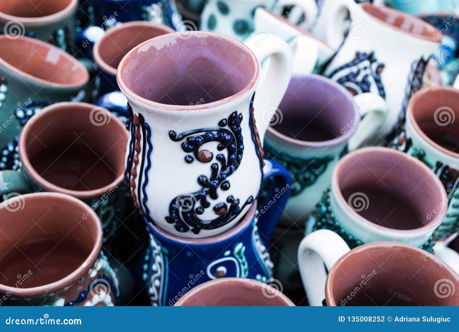 Canecas da cerâmica