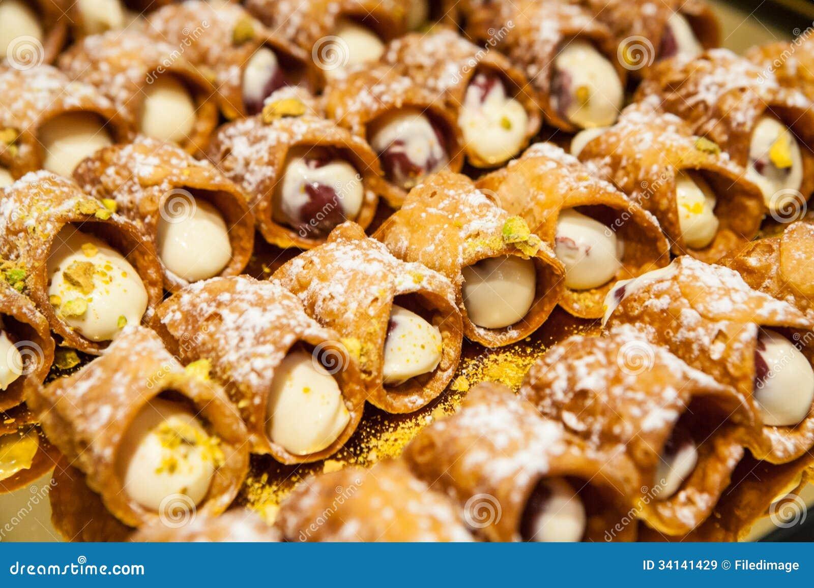 Canelones dulces im genes de archivo libres de regal as - Fotos de canalones ...