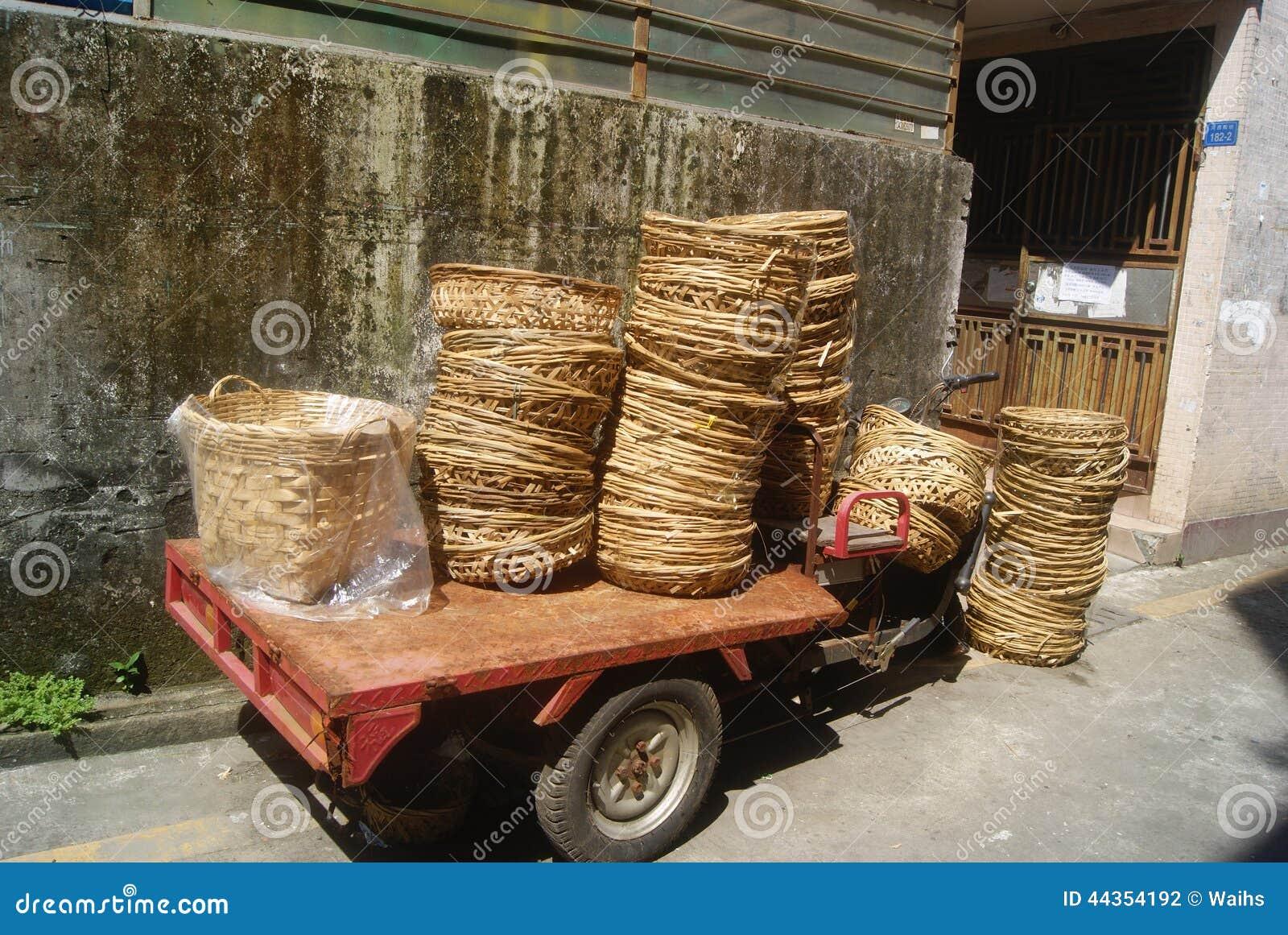 Canestro di bambù