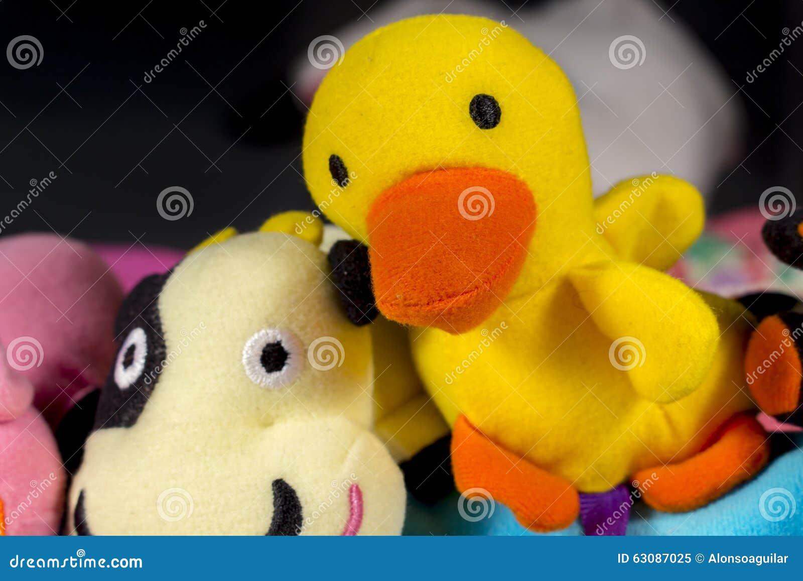 Download Caneton de nounours image stock. Image du enfance, diversité - 63087025