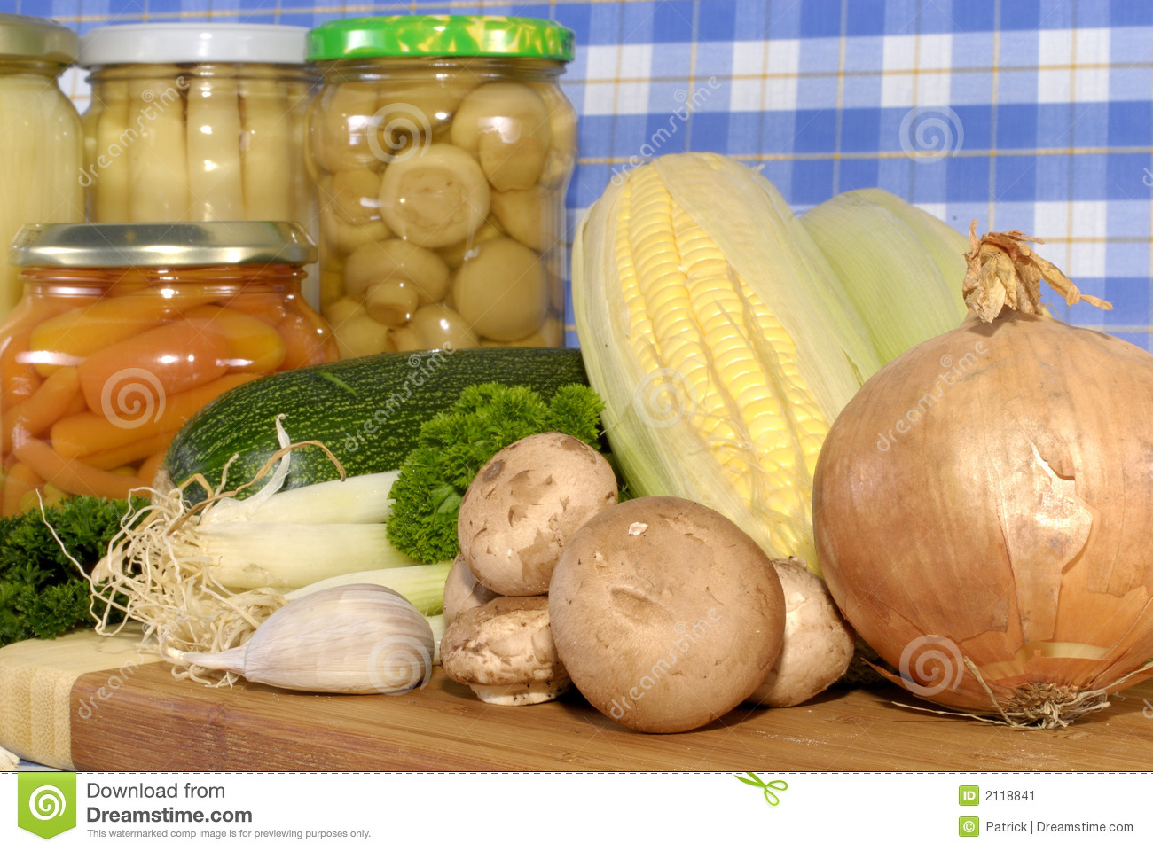 fresh foods versus canned foods essay Journal of the science of food and agriculture j sci food agric 87:930–944 (2007) review nutritional comparison of fresh, frozen and canned fruits and vegetables.