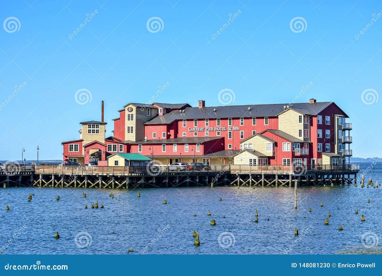 Cannery mola zdrój na Kolumbia rzece w Astoria i hotel