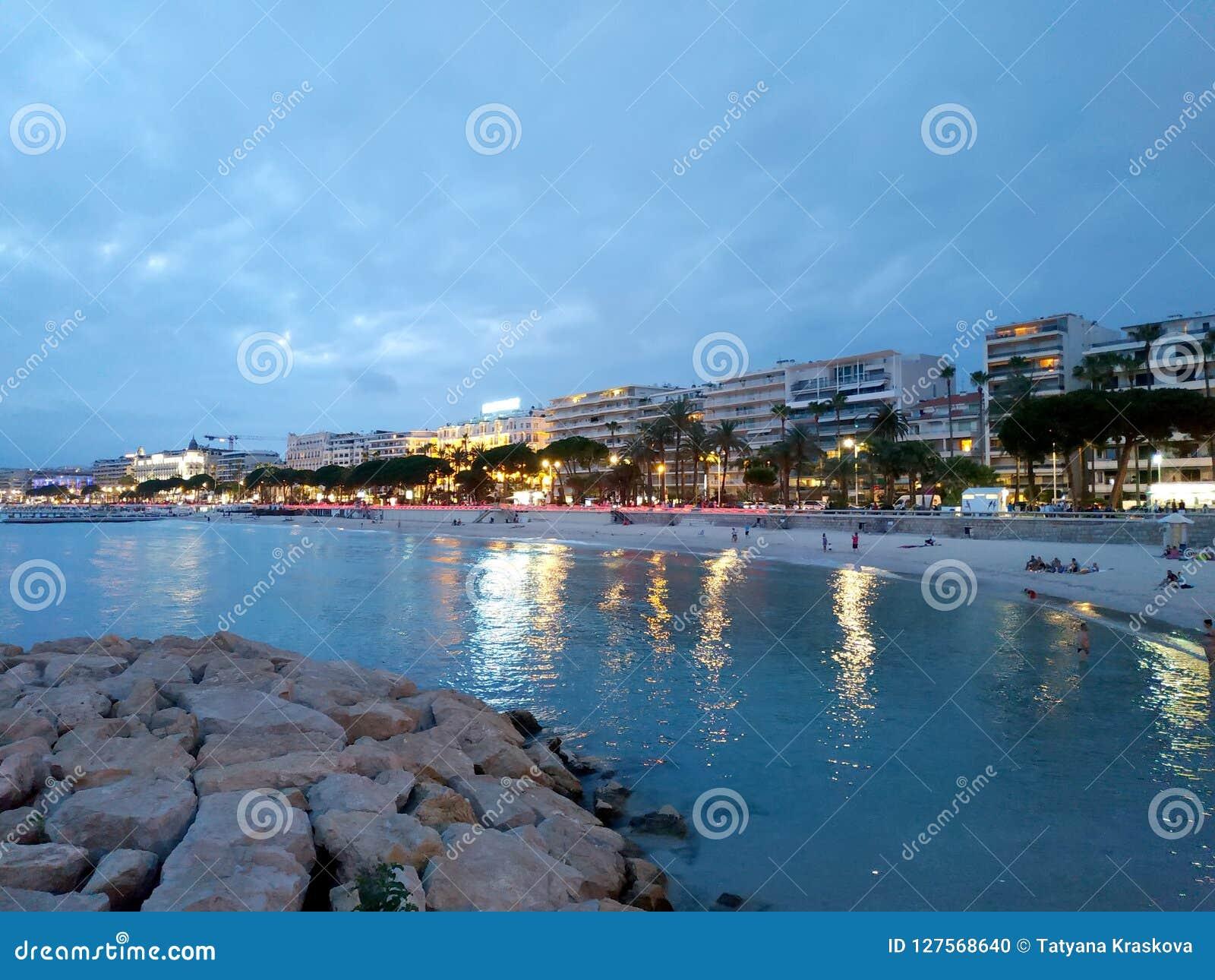 Cannes - opinión de la noche