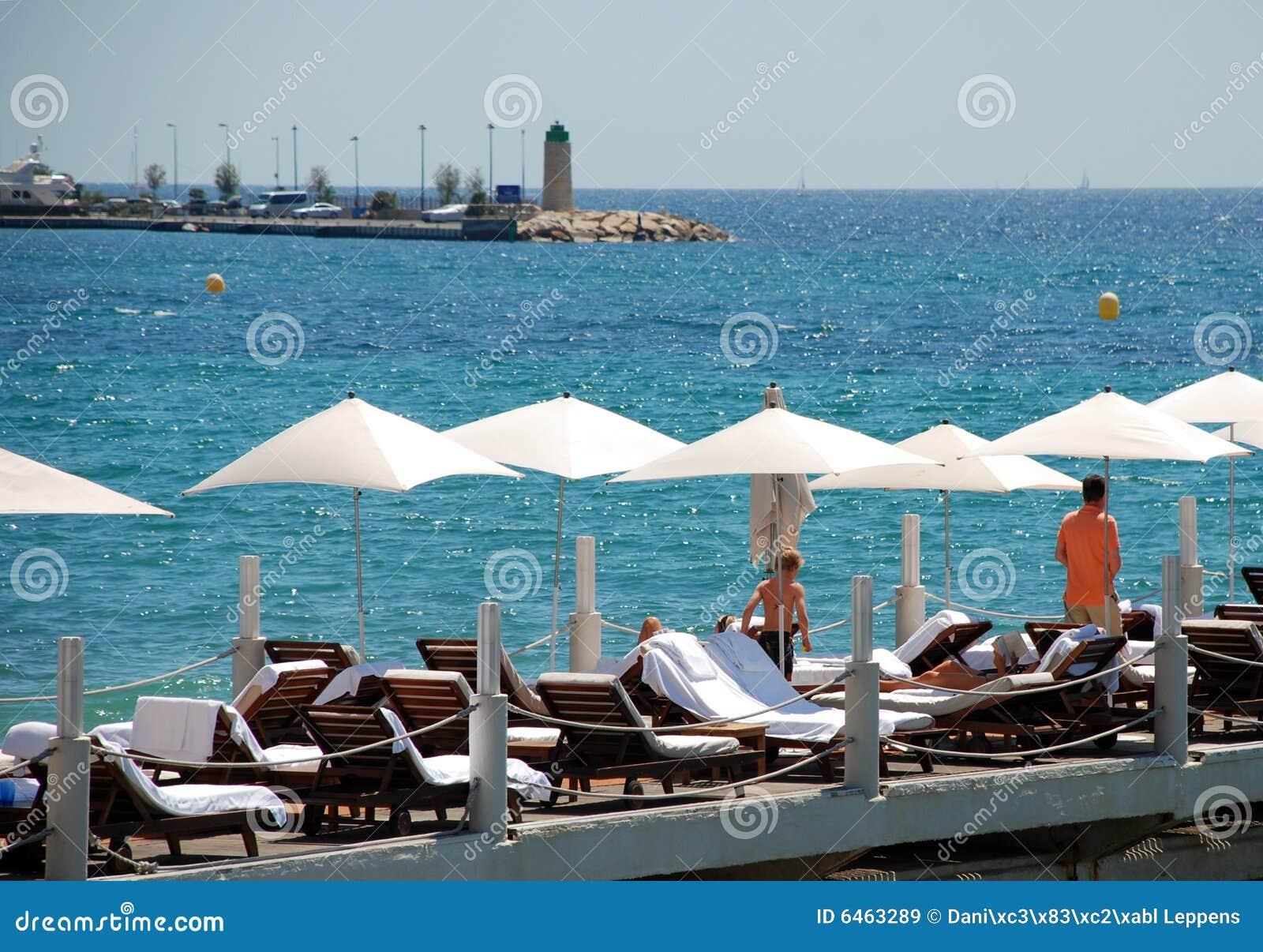 Cannes parasols