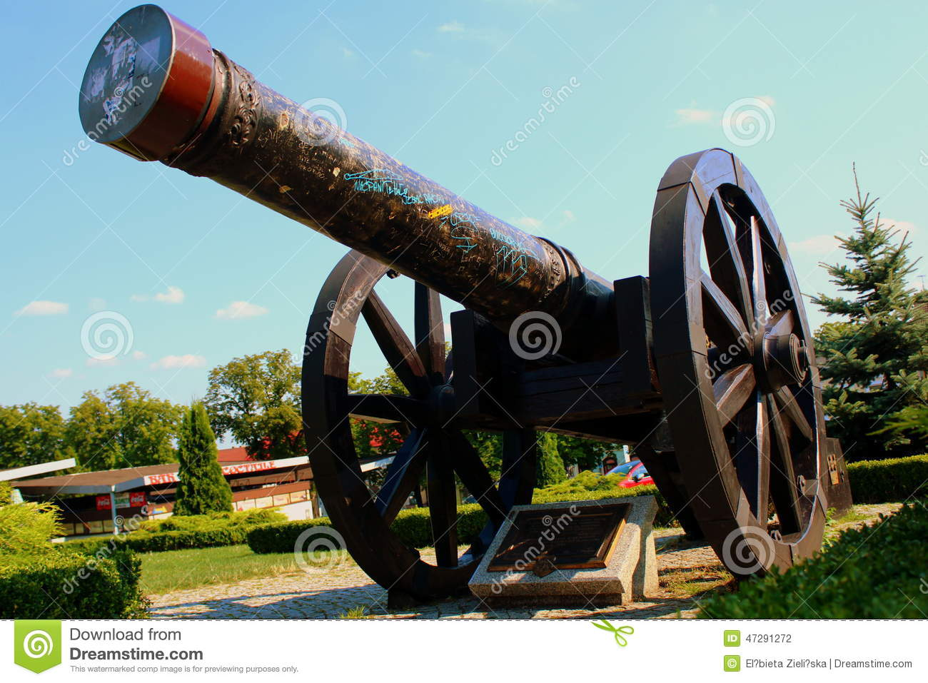 The cannon of the seventeenth century.