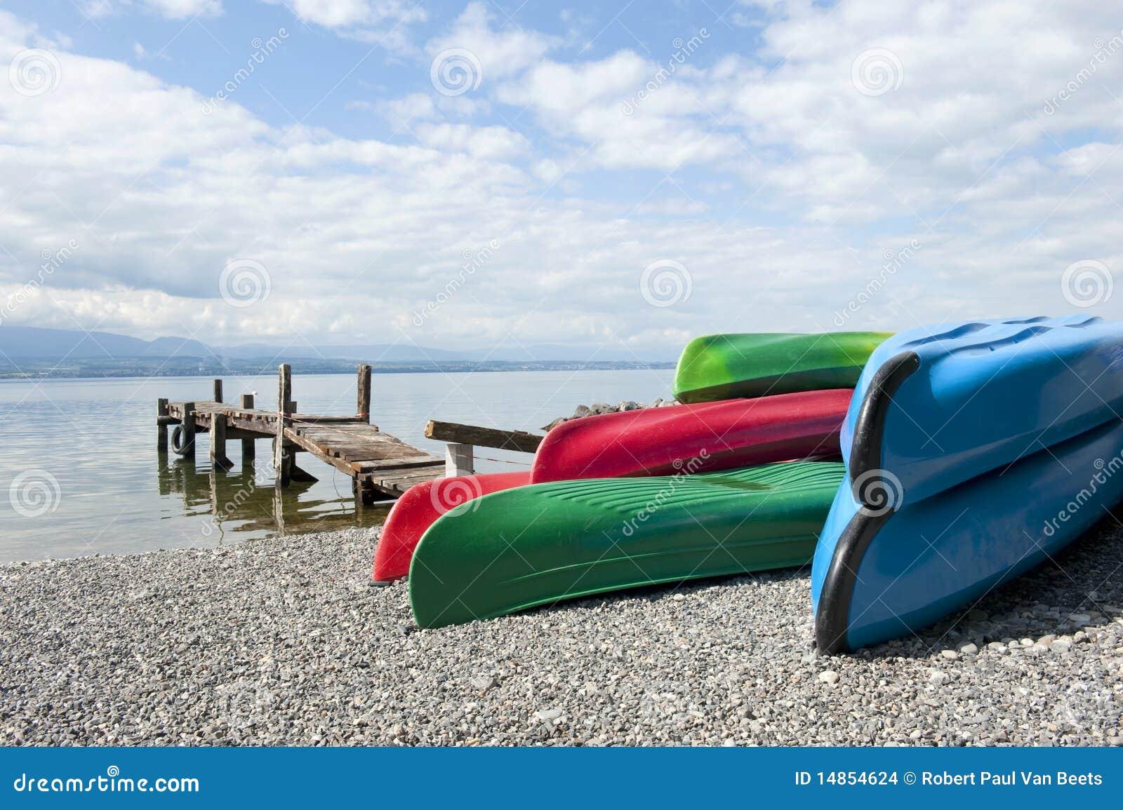 Canoas no lago Leman