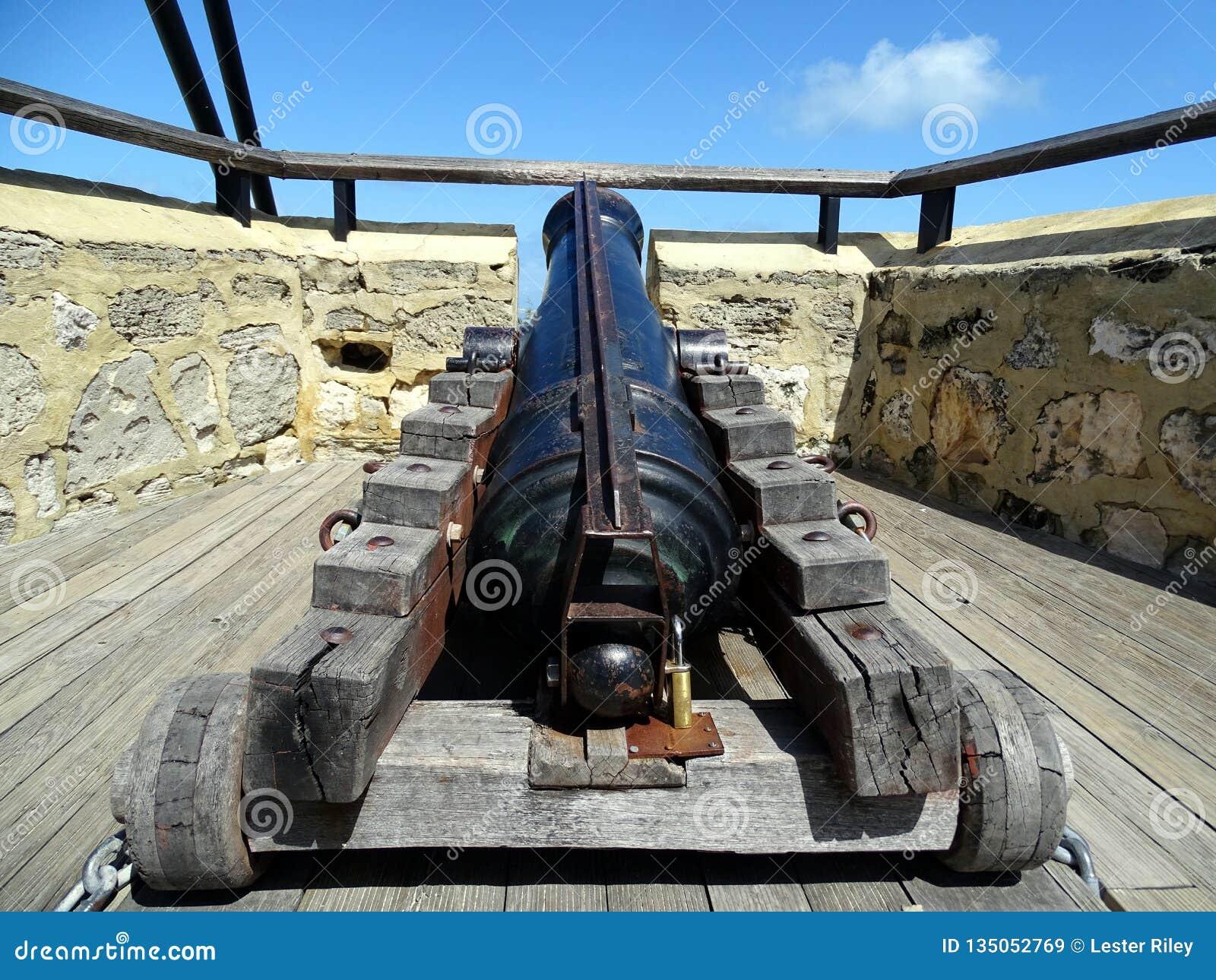 Canon antiguo usado en los principios del siglo XIX para defender Fremantle