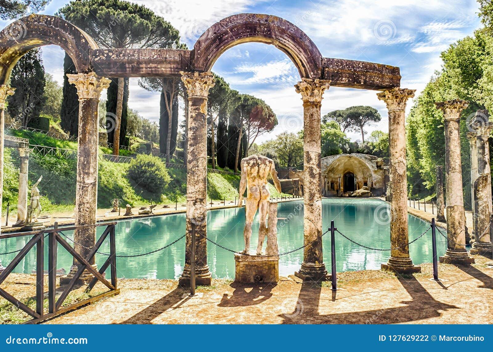 Canopus, antyczny basen w willi Adriana, Tivoli, Włochy