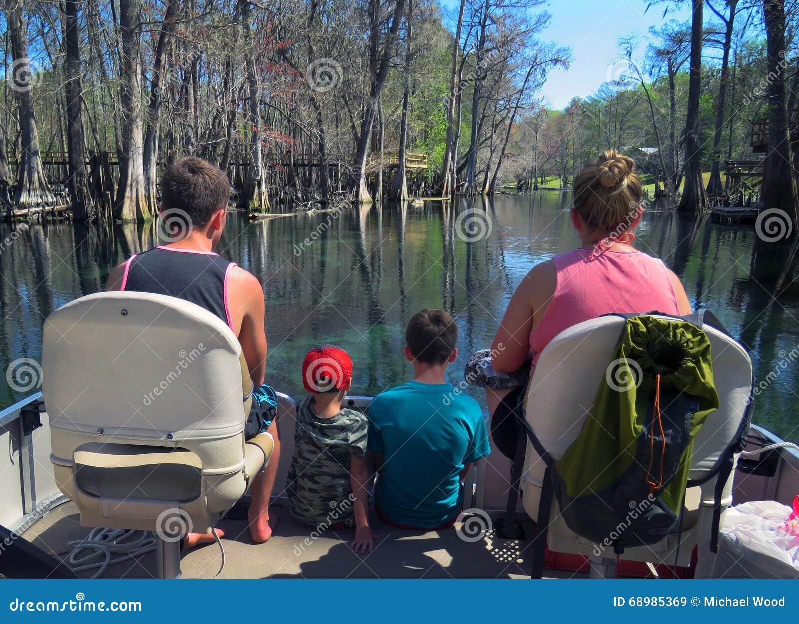 Canotaje el pontón de la familia - río de Ichetucknee