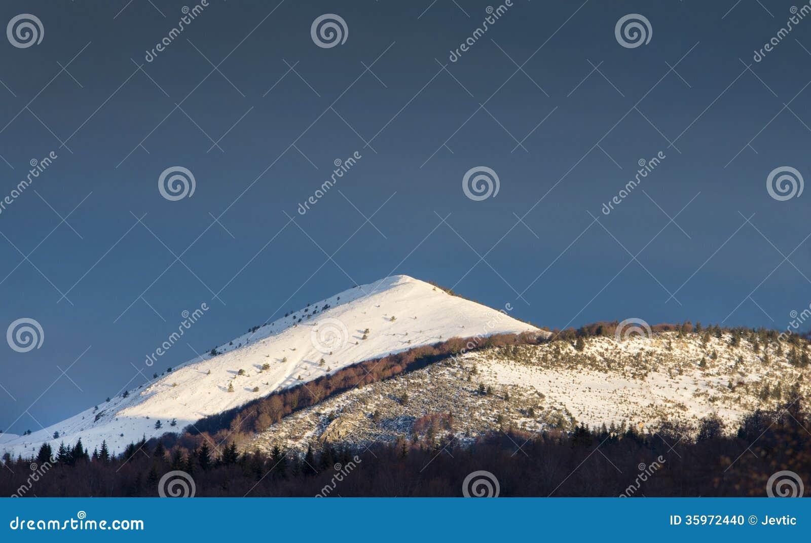 Canto de la montaña Nevado