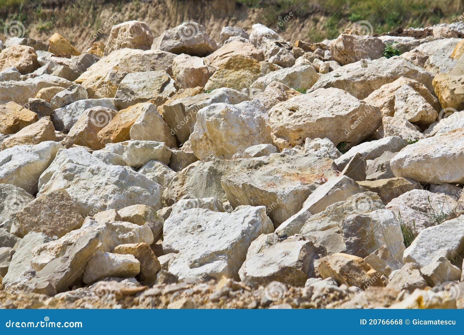 Cantos rodados de la piedra caliza foto de archivo imagen de boulders geol gico 20766668 - Piedra caliza precio ...