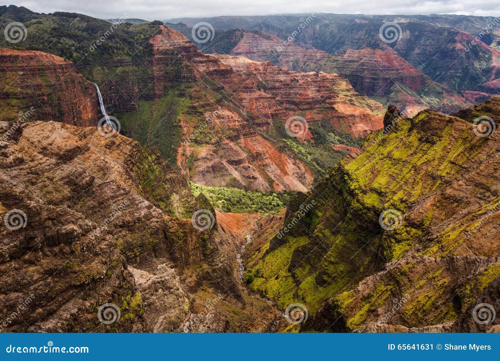 Canyon de Waimea dans Kauai Hawaï