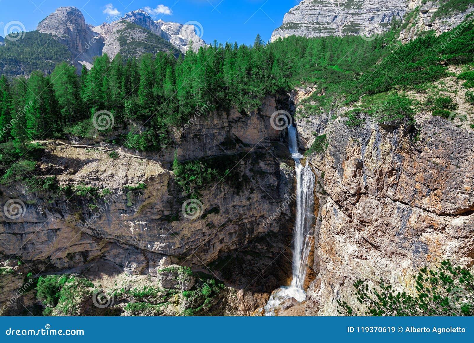 Canyons et cascade de Fanes