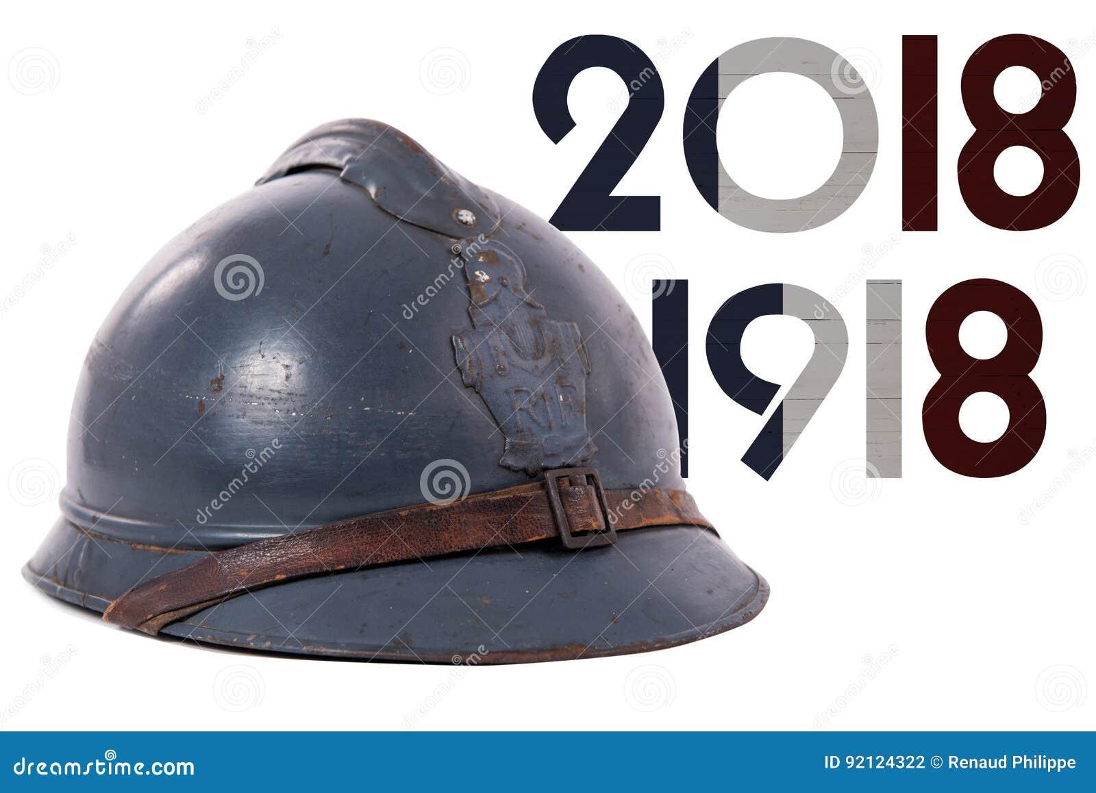 Capacete militar francês da primeira guerra mundial isolada no branco