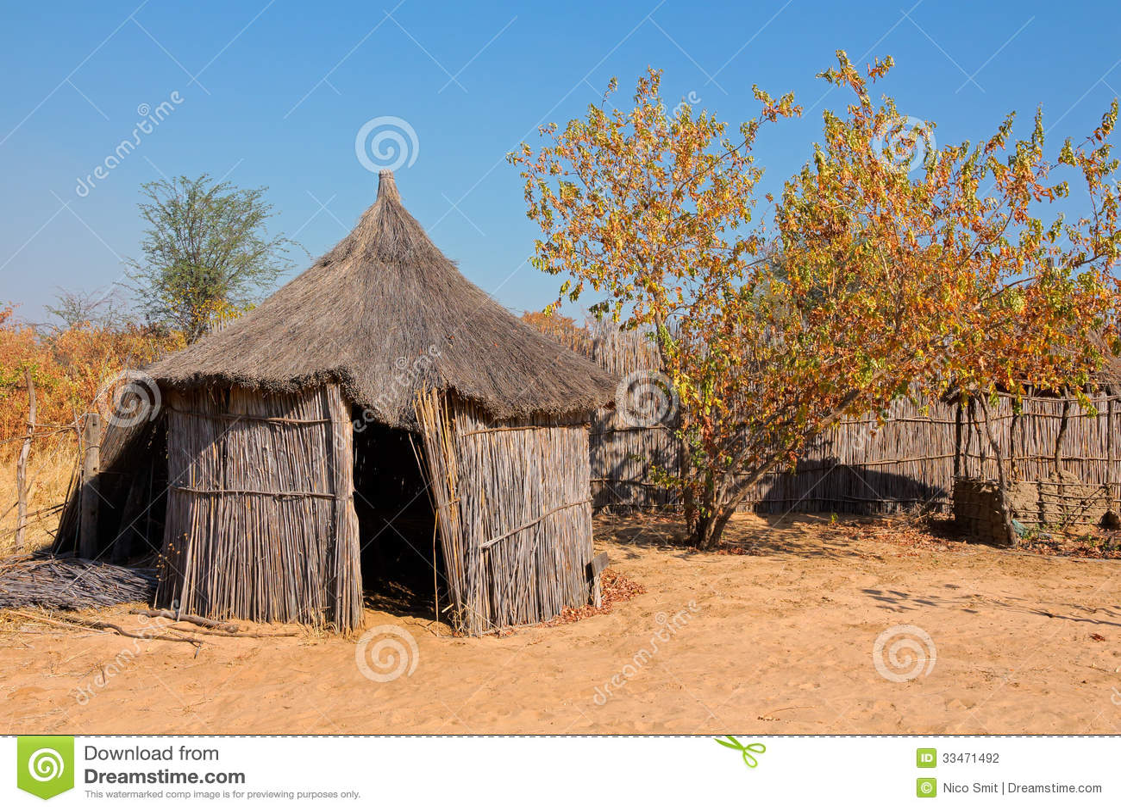 Capanna Africana Rurale Fotografia Stock Immagine Di