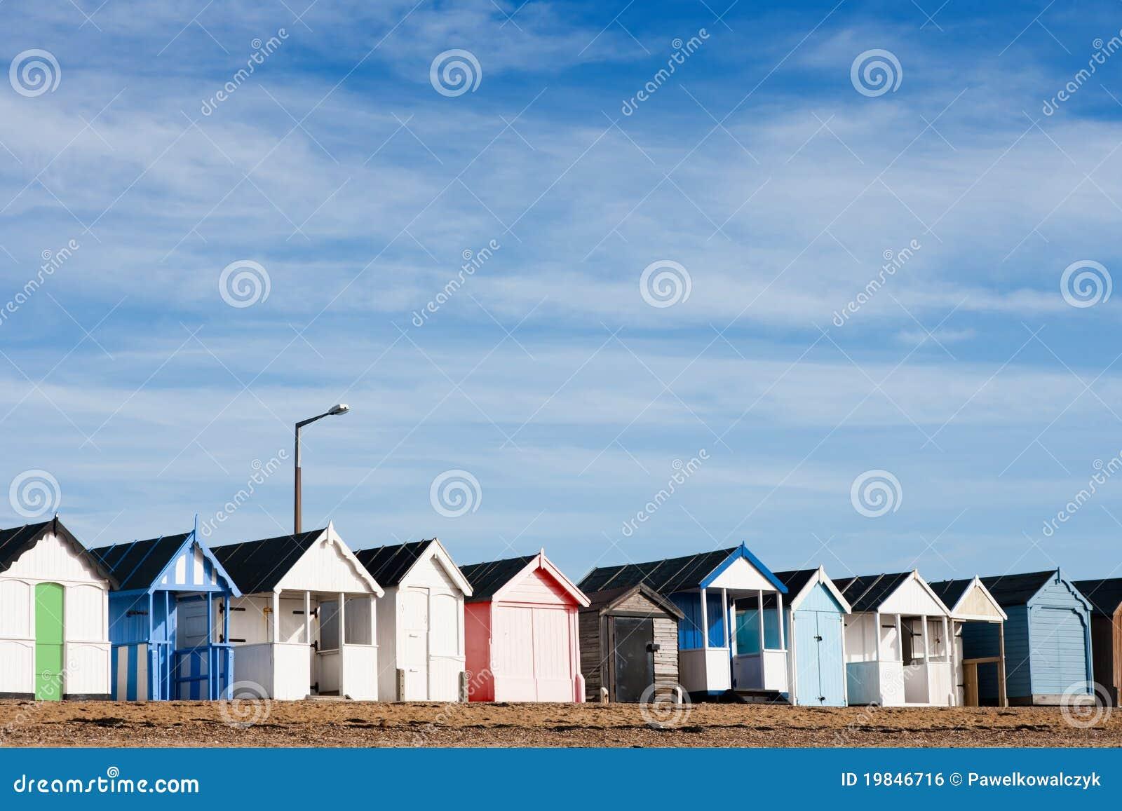 Capanne inglesi tipiche della spiaggia immagine stock for Case inglesi foto