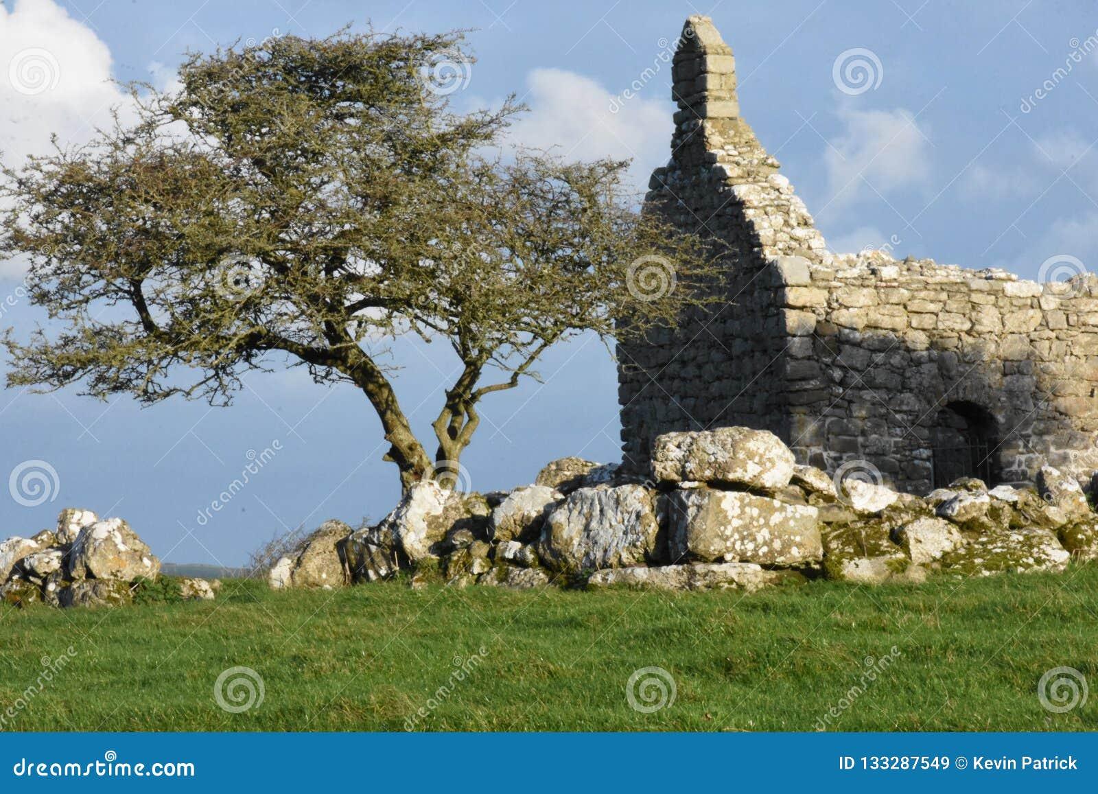 Capel Lligwy A wieka 12th kaplica na wyspie Anglesey Północny Walia UK