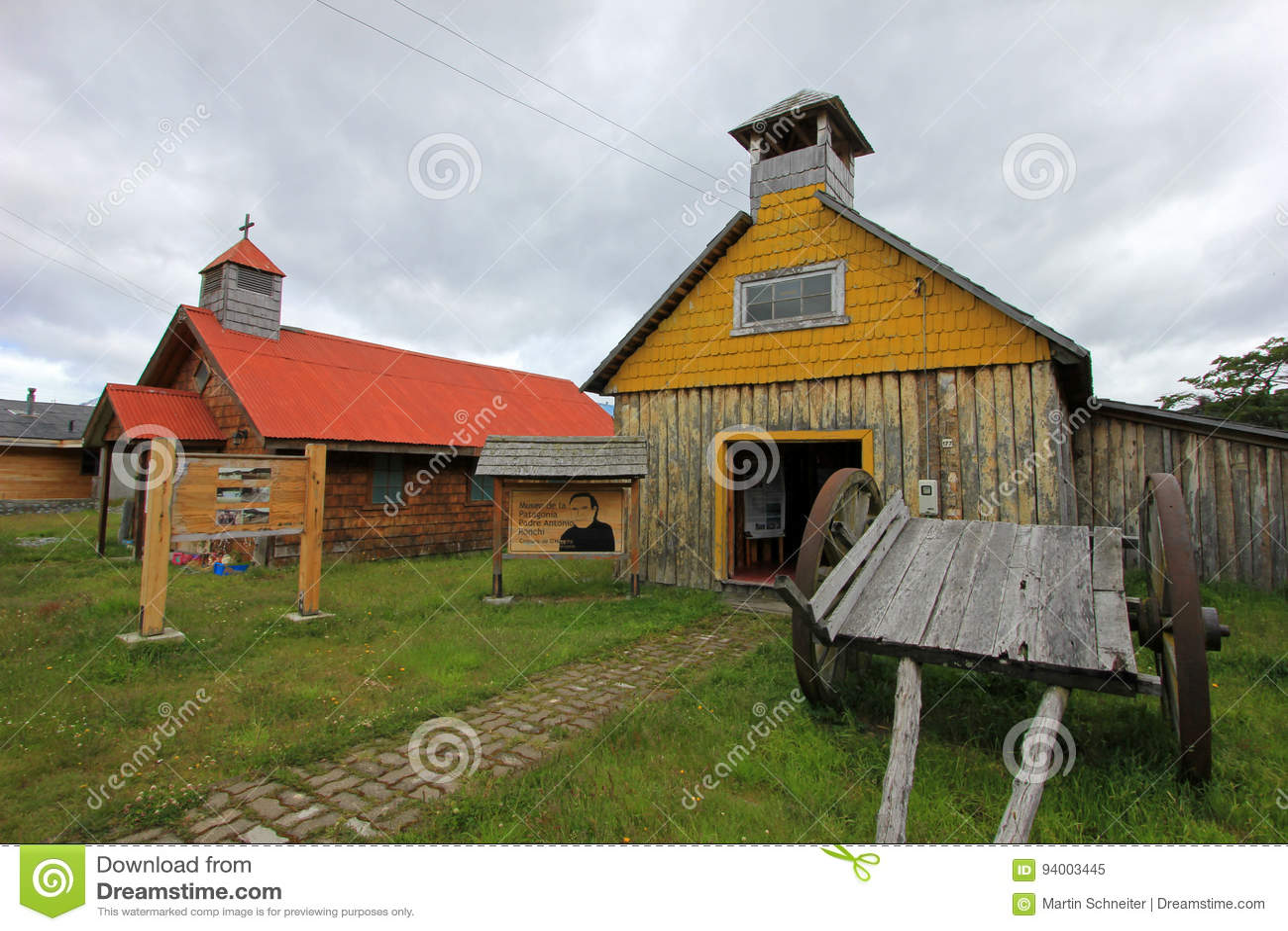 Capela de madeira velha, museu, ` Higgins da casa de campo O, Carretera Austral, o Chile