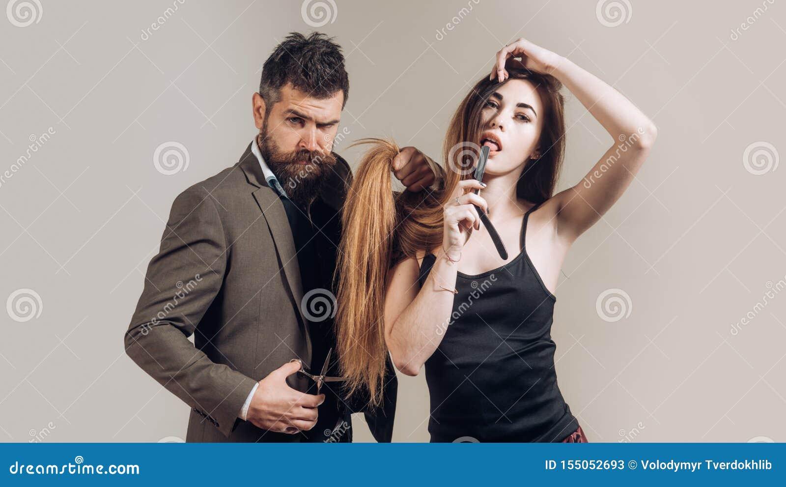 Capelli lunghi Taglio di capelli di modo Cos? d avanguardia ed alla moda Ritratto della barba alla moda dell uomo Barba di stile