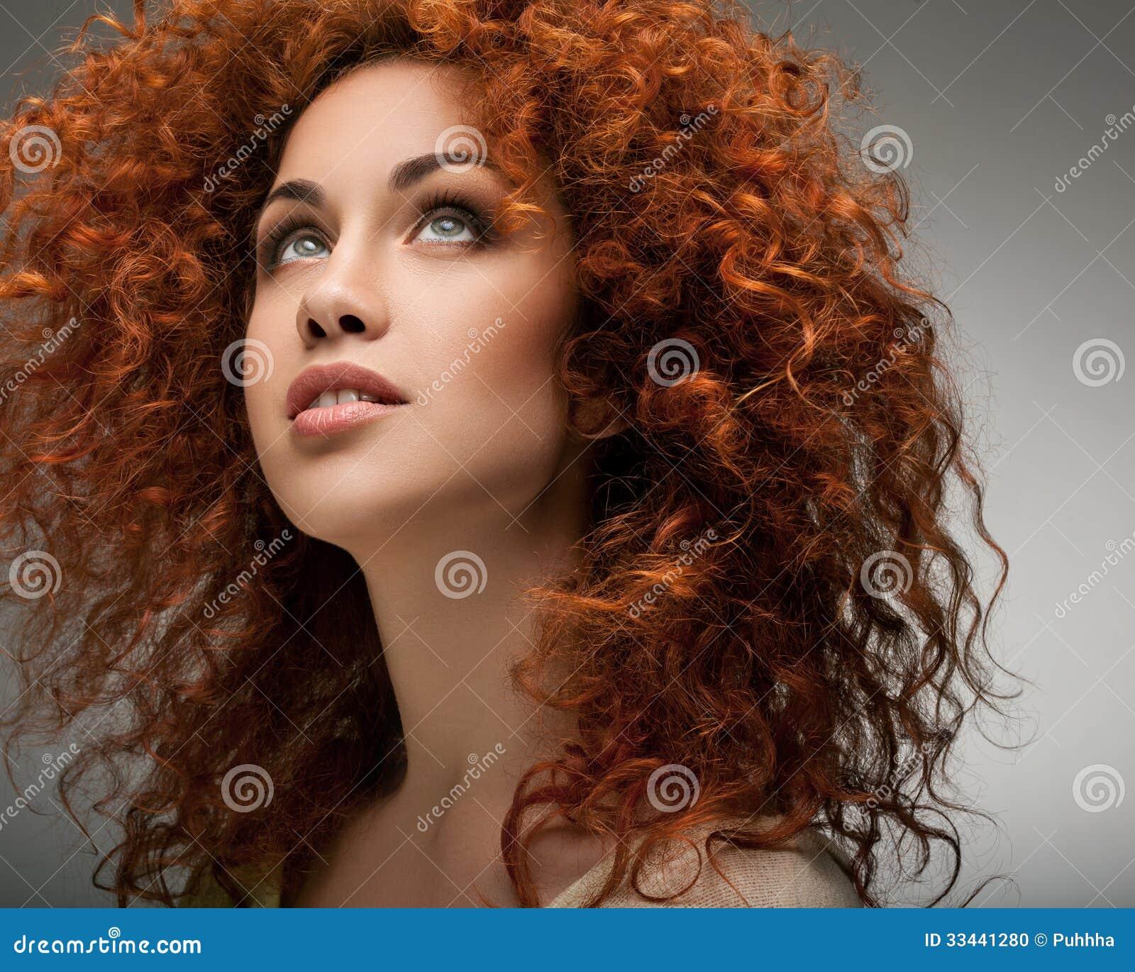 Taglio capelli ricci rossi