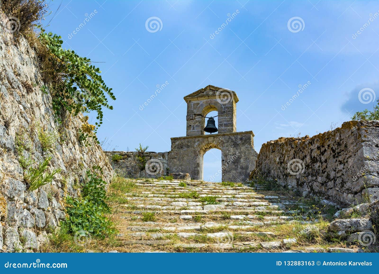 Capilla ortodoxa en el castillo veneciano de Agia Maura - isla griega de Lefkada