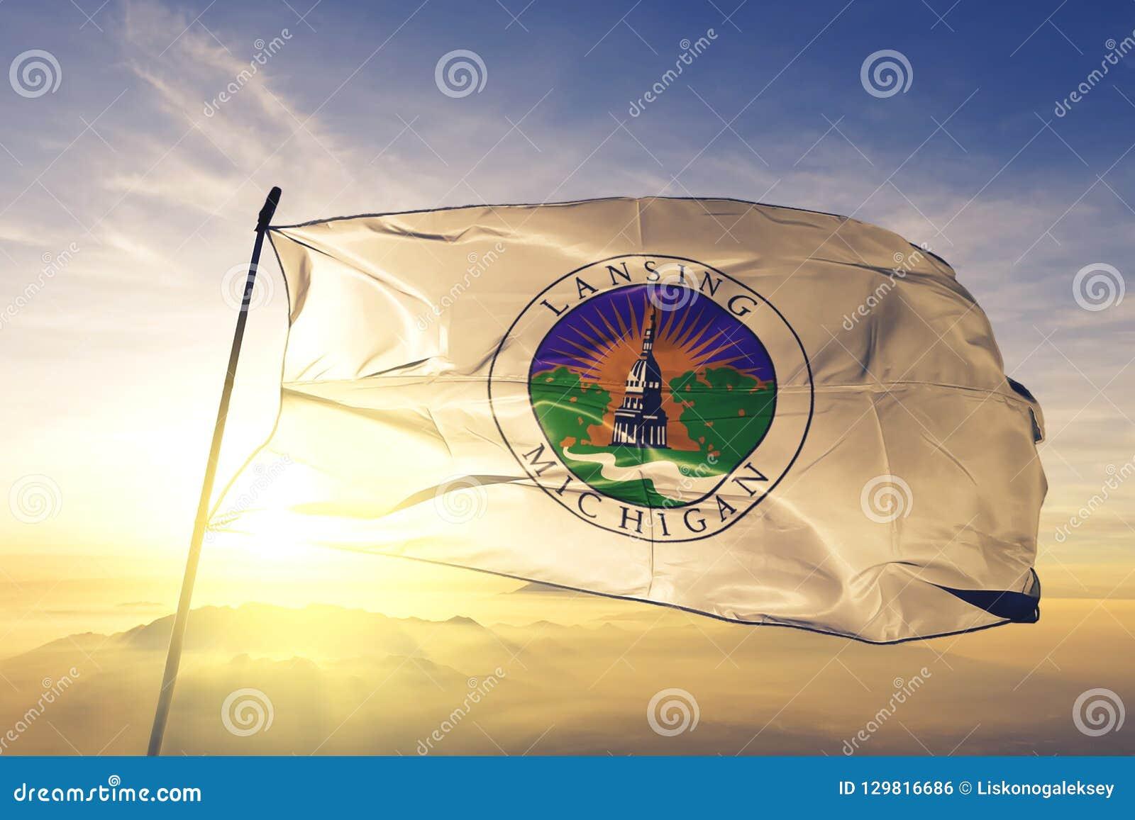 capitale de ville de lansing du michigan du tissu de tissu de textile de drapeau des etats unis ondulant sur le brouillard superi illustration stock illustration du ville capitale 129816686 dreamstime