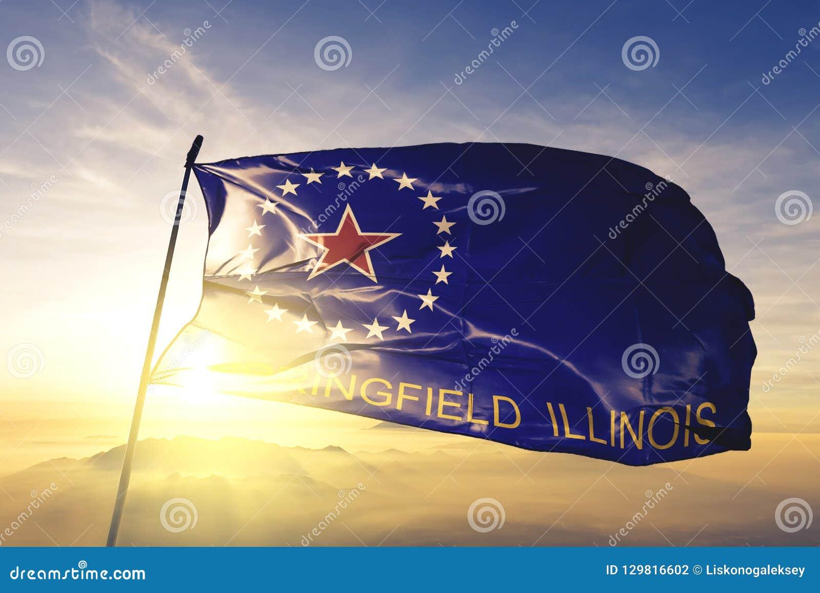Capitale de ville de Springfield de l Illinois du tissu de tissu de textile de drapeau des Etats-Unis ondulant sur le brouillard