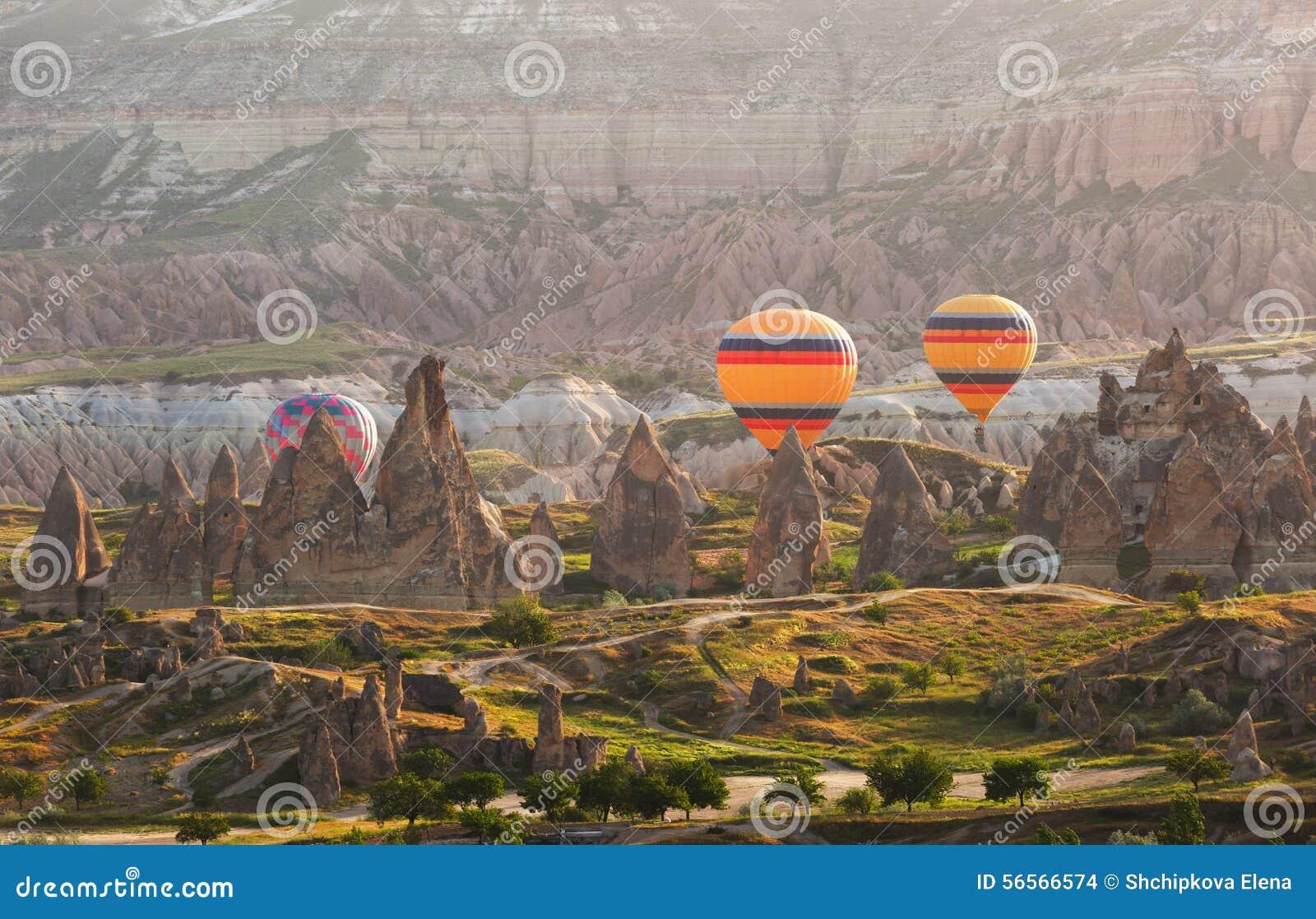 Download Cappadocia στην ανατολή, Τουρκία Στοκ Εικόνες - εικόνα από ancientness, πρωί: 56566574
