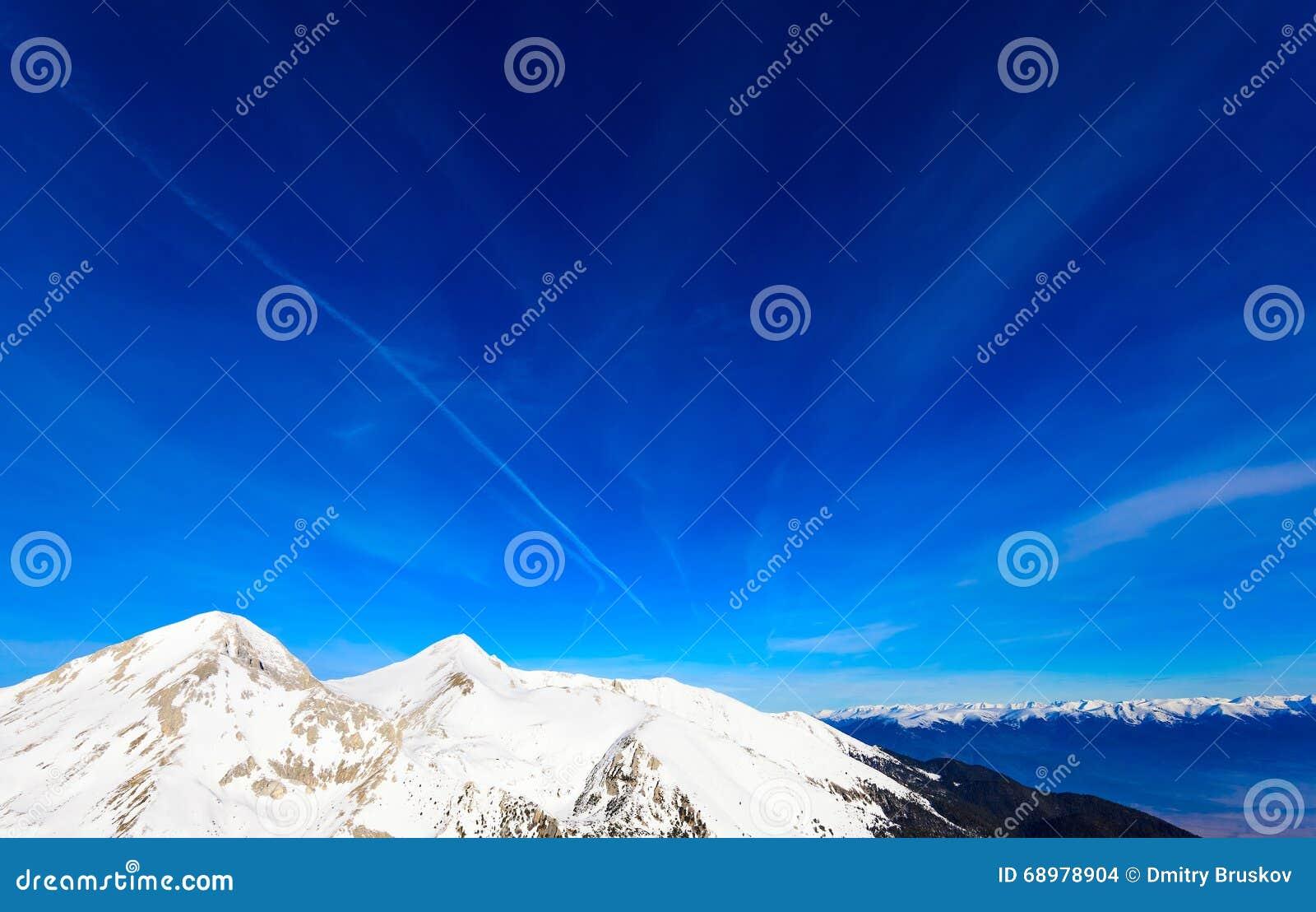 Capped bergsnow