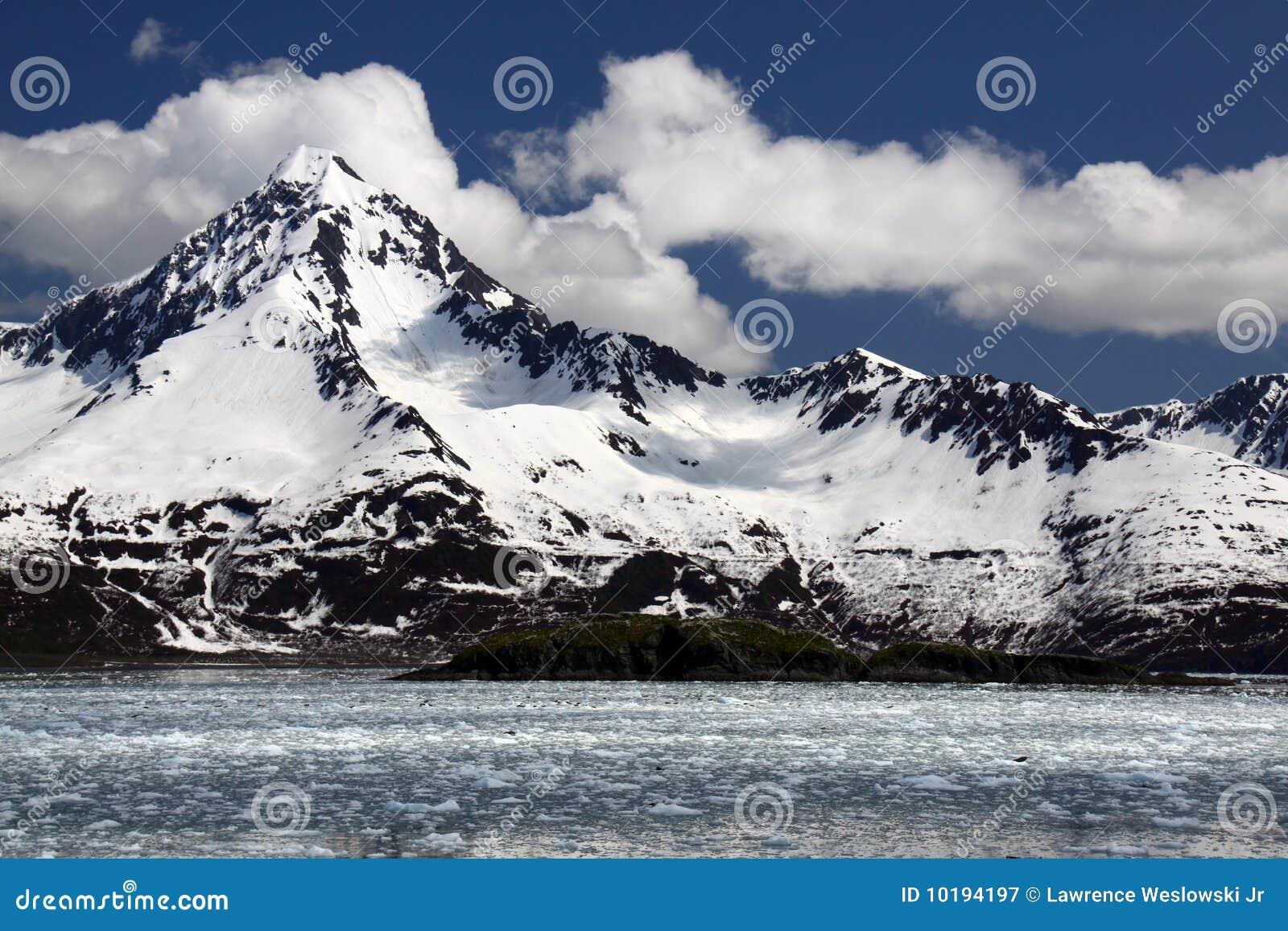 Capped snow för nationalpark för fjordskenaiberg