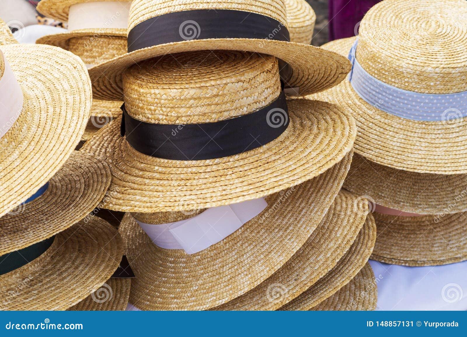 Cappelli Di Paglia Da Vendere, Per Le Donne Dei Colori ...