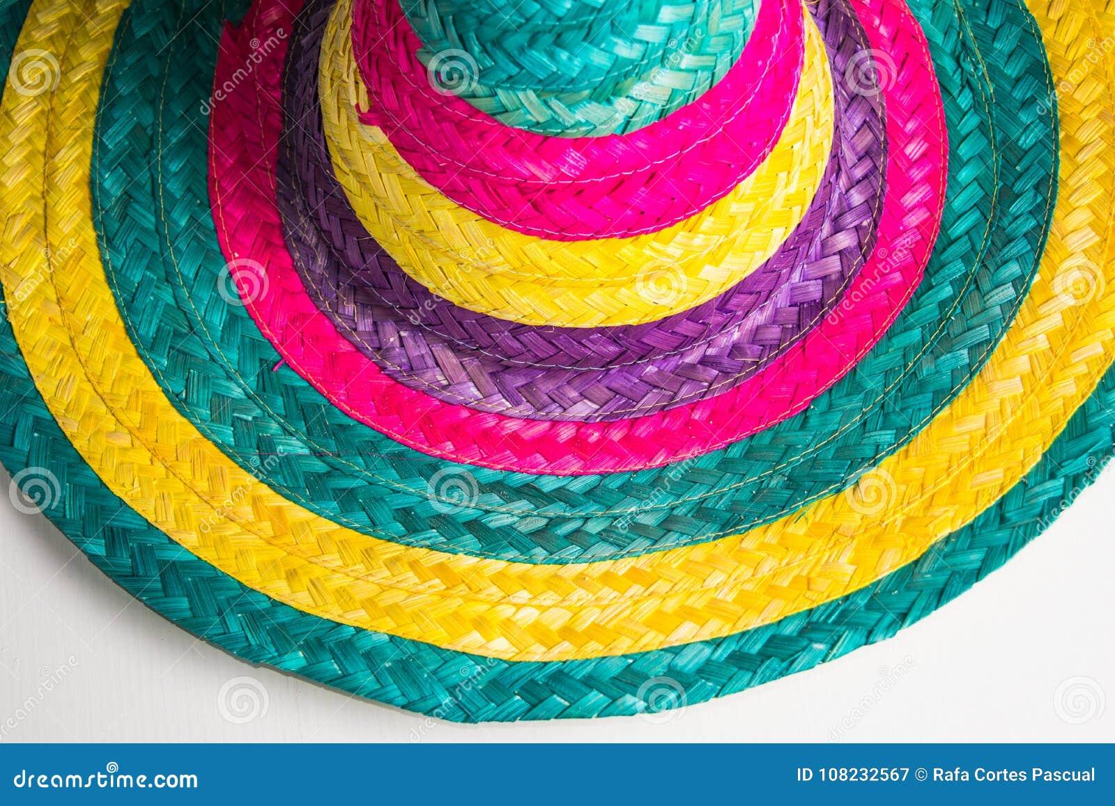 Cappello messicano tradizionale con i colori
